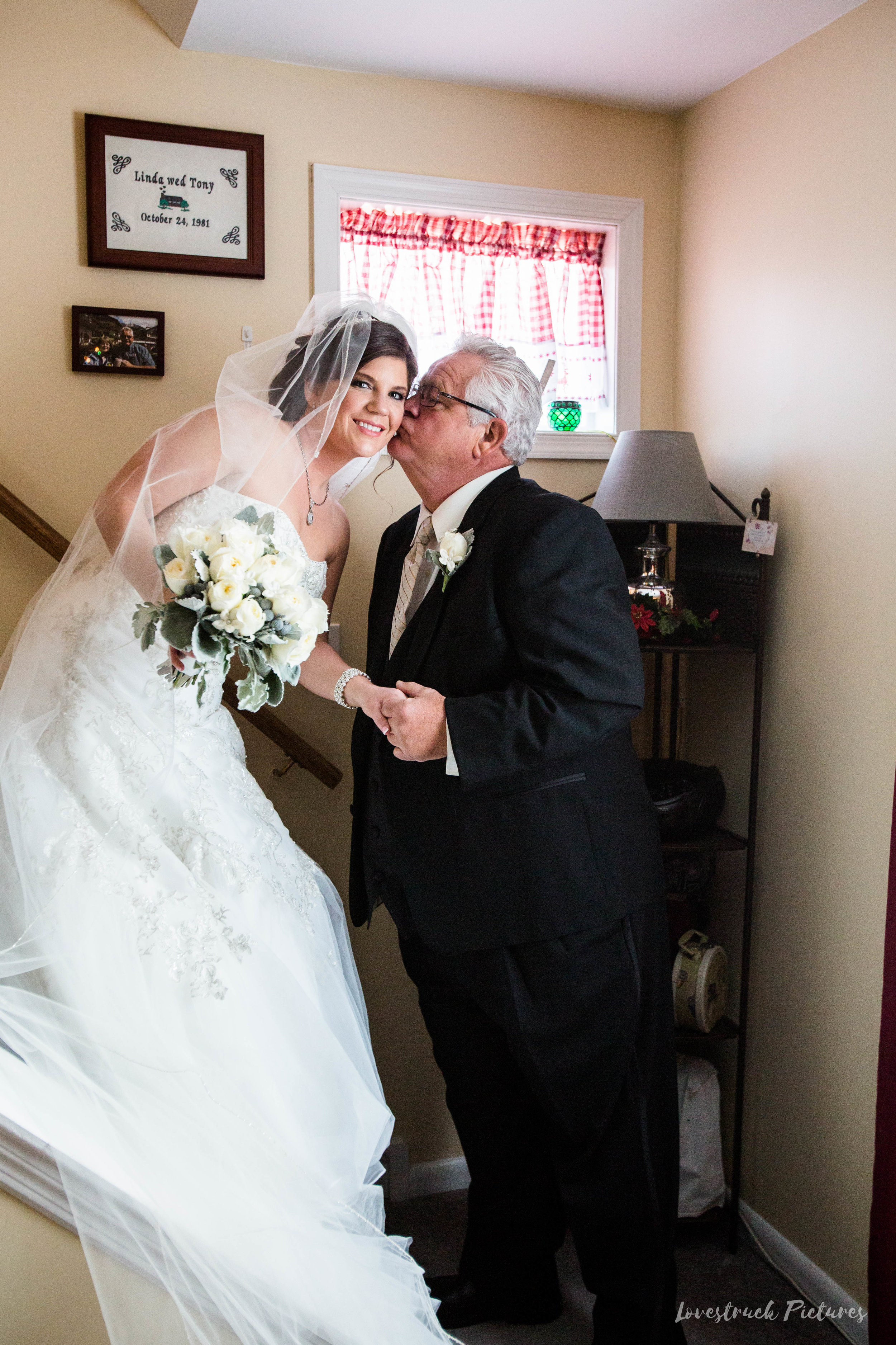 PHILADELPHIA_BALLROOM_WEDDING_PHOTOGRAPHY--33.jpg
