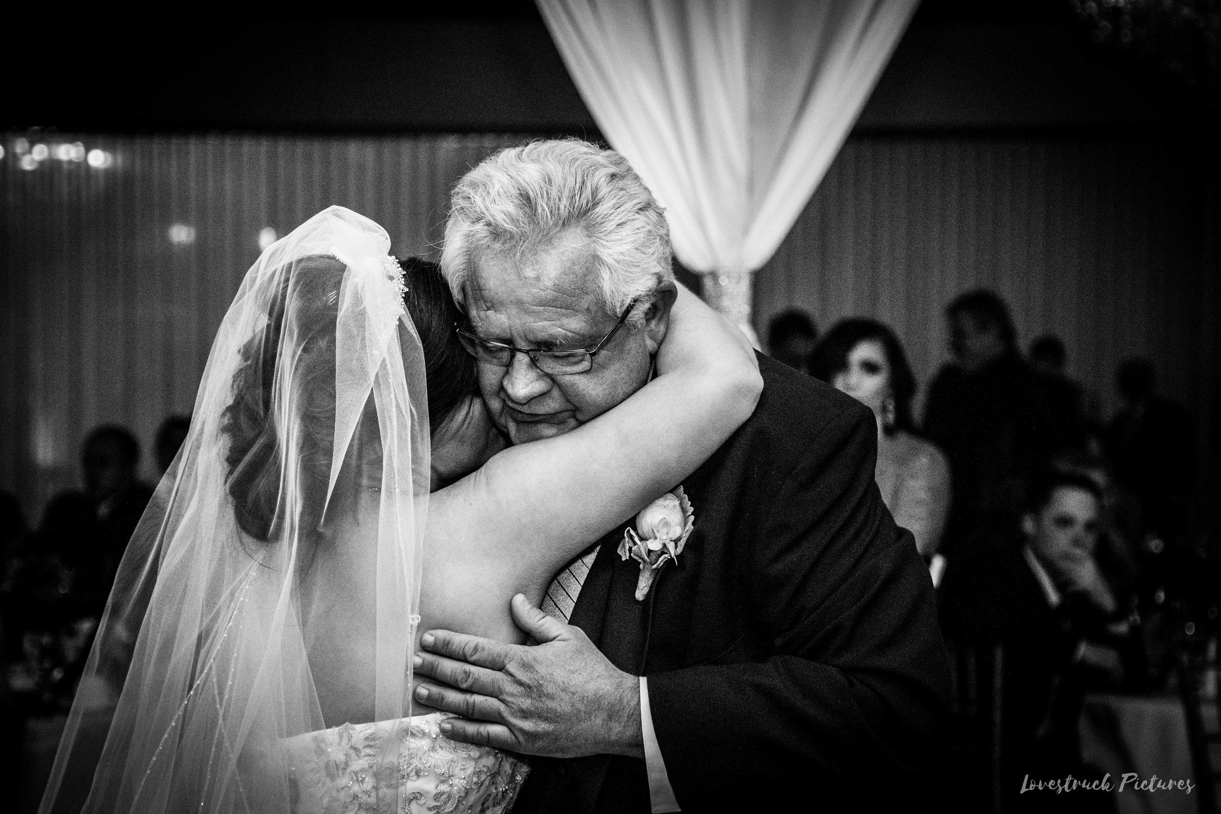 PHILADELPHIA_BALLROOM_WEDDING_PHOTOGRAPHY--98.jpg