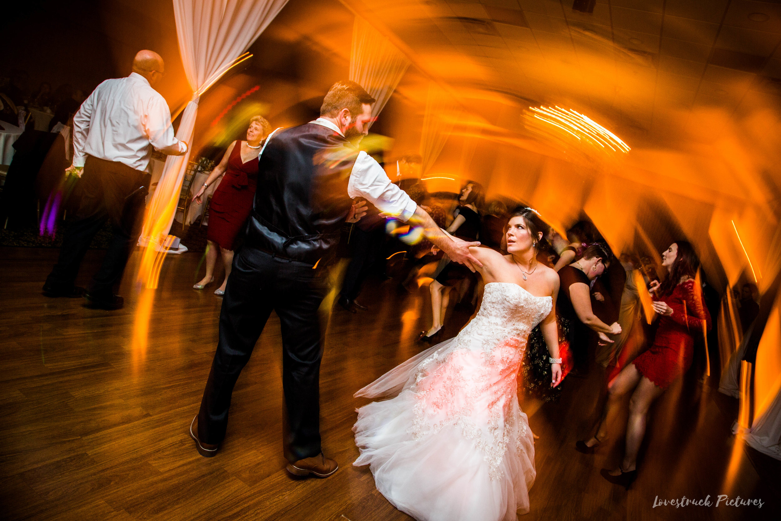 PHILADELPHIA_BALLROOM_WEDDING_PHOTOGRAPHY--113.jpg