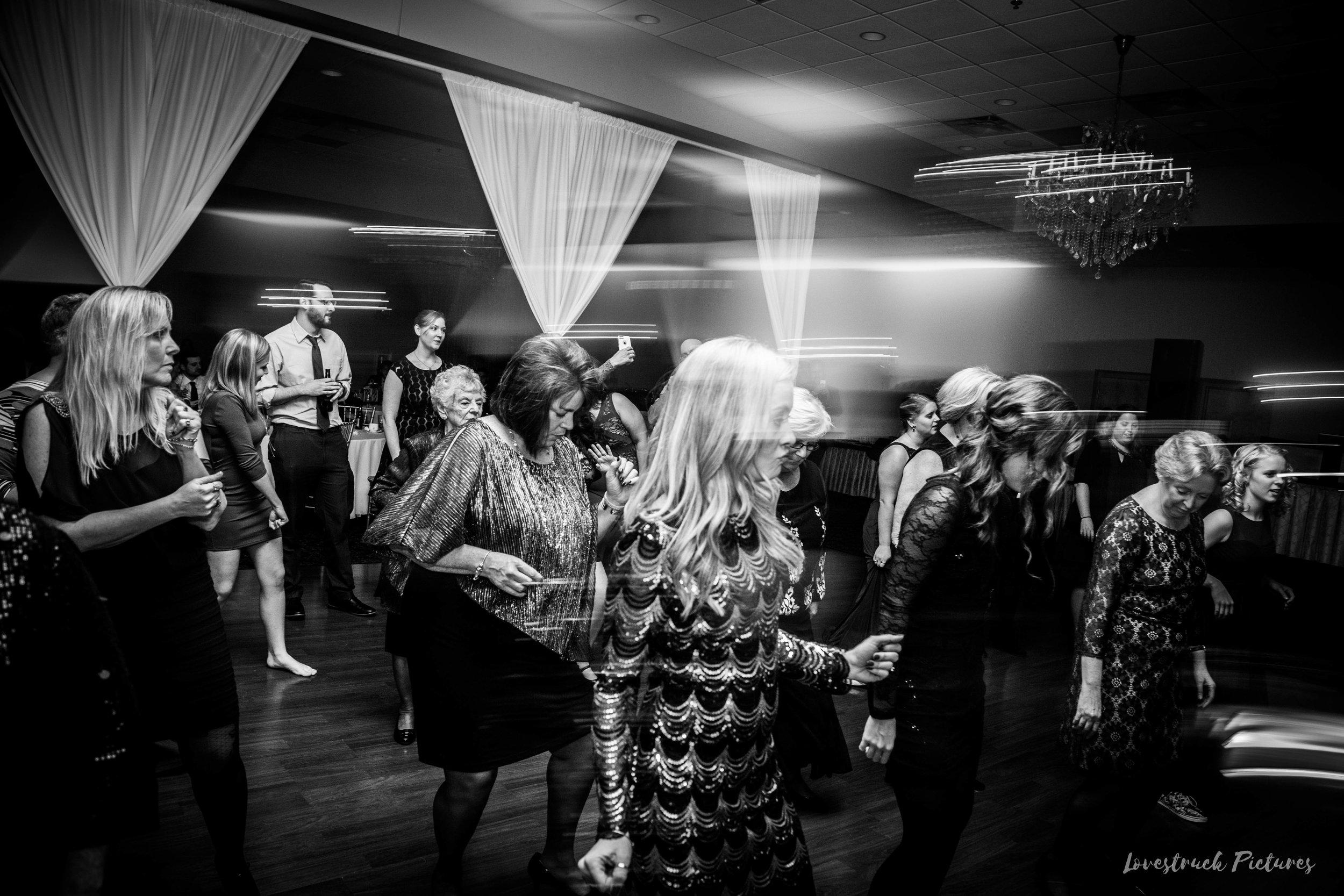 PHILADELPHIA_BALLROOM_WEDDING_PHOTOGRAPHY--115.jpg