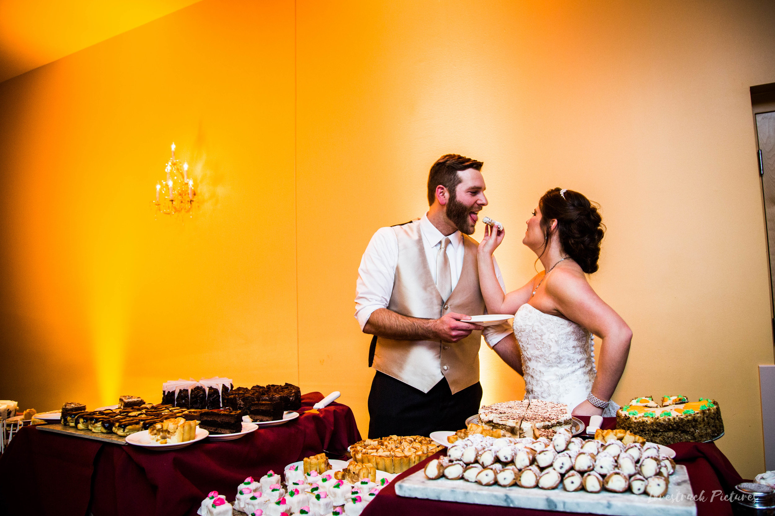 PHILADELPHIA_BALLROOM_WEDDING_PHOTOGRAPHY--116.jpg