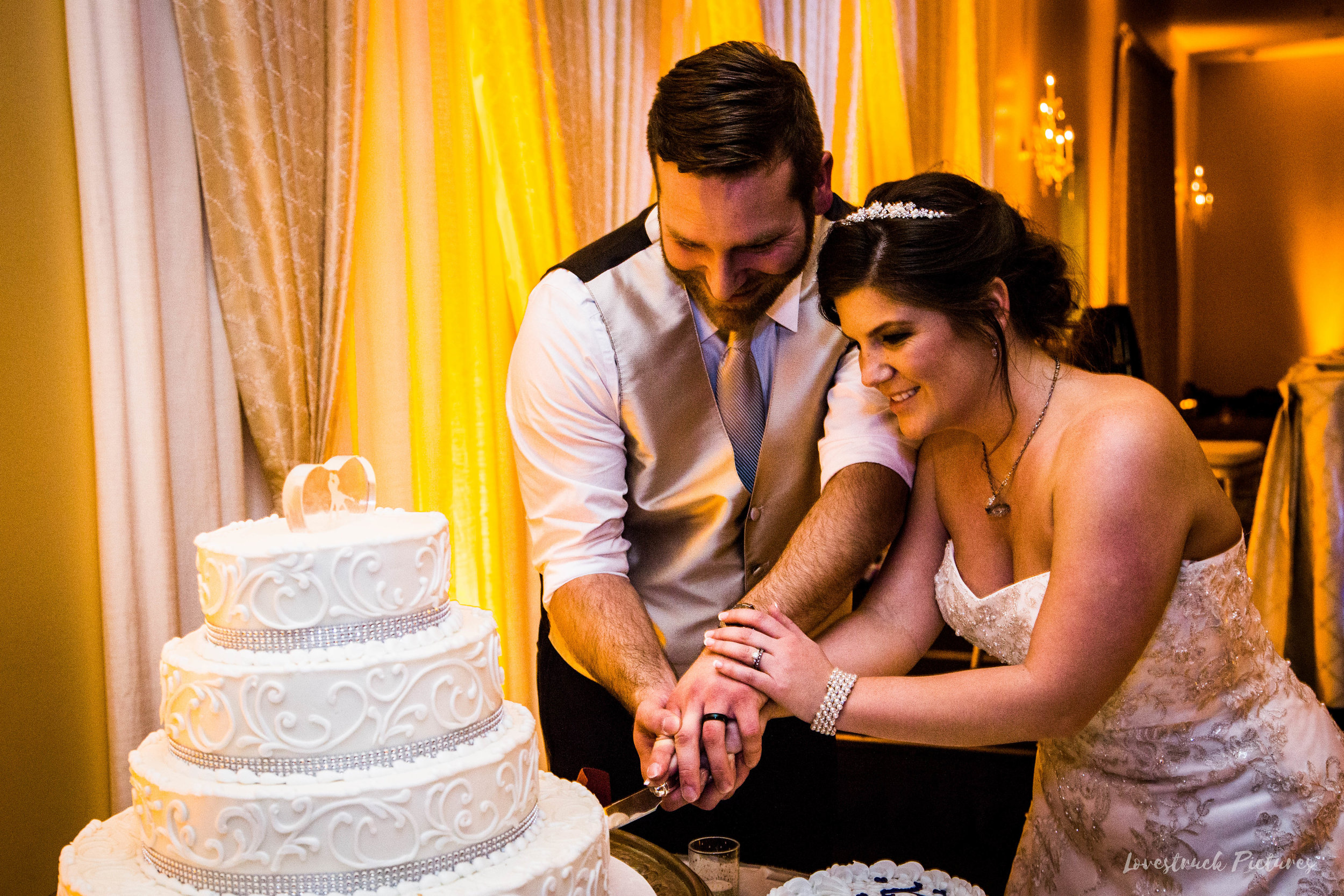 PHILADELPHIA_BALLROOM_WEDDING_PHOTOGRAPHY--118.jpg