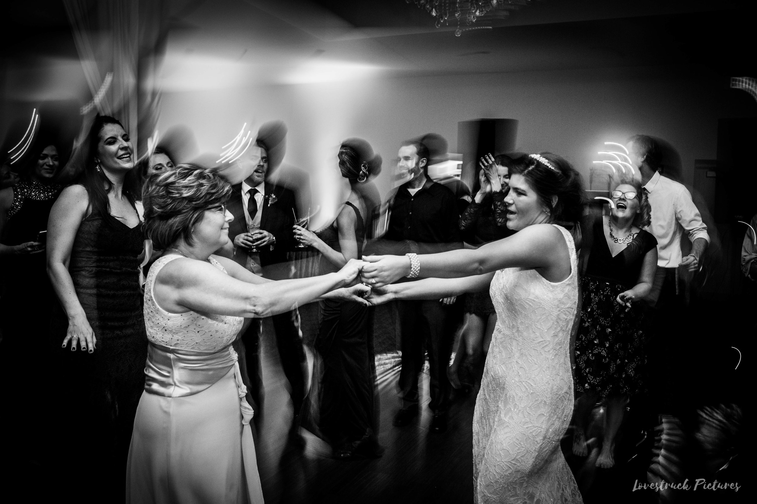 PHILADELPHIA_BALLROOM_WEDDING_PHOTOGRAPHY--129.jpg