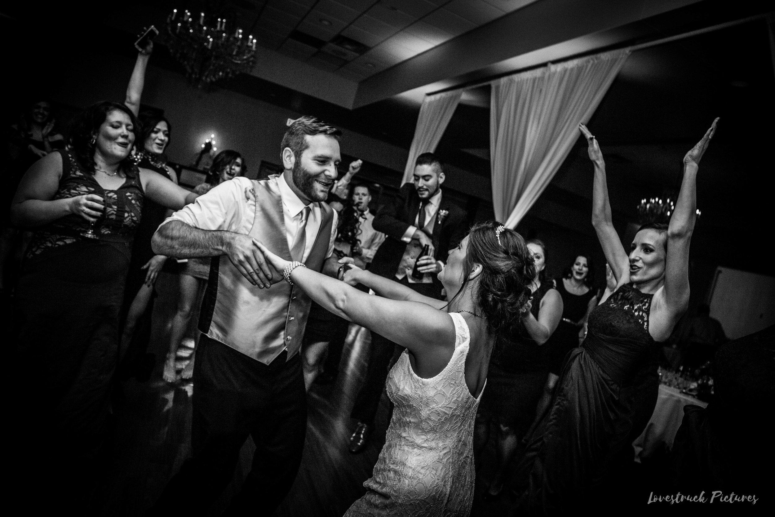 PHILADELPHIA_BALLROOM_WEDDING_PHOTOGRAPHY--128.jpg