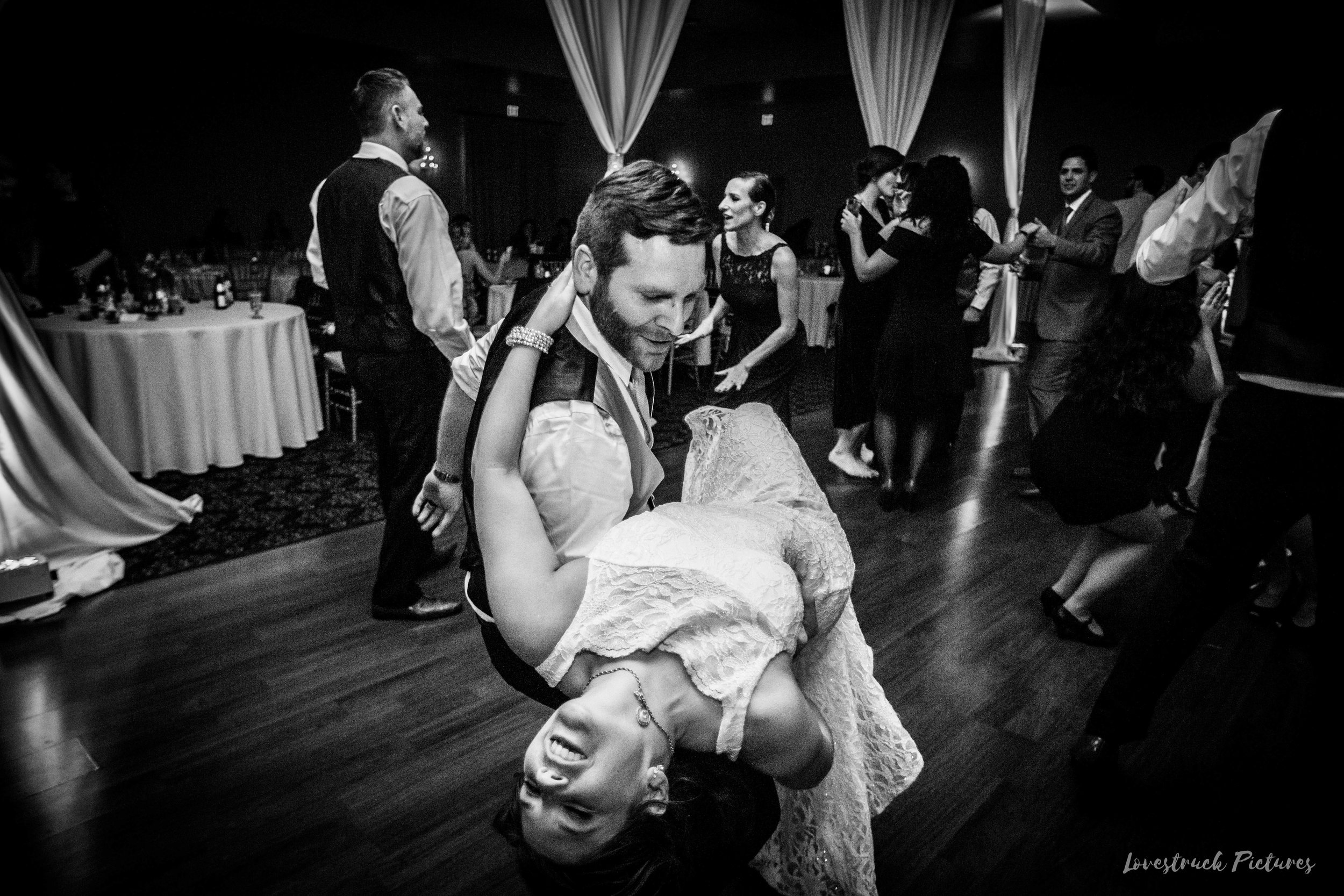 PHILADELPHIA_BALLROOM_WEDDING_PHOTOGRAPHY--131.jpg