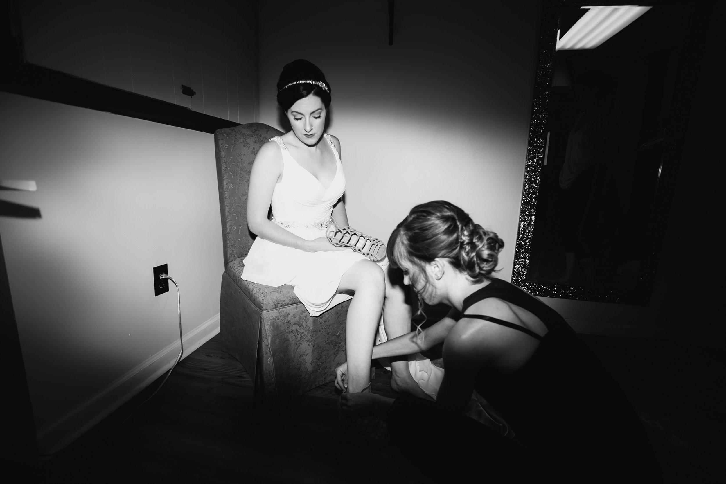 TYLER ARBORETUM WEDDING PHOTOGRAPHY LOVESTRUCK PICTURES-007.jpg