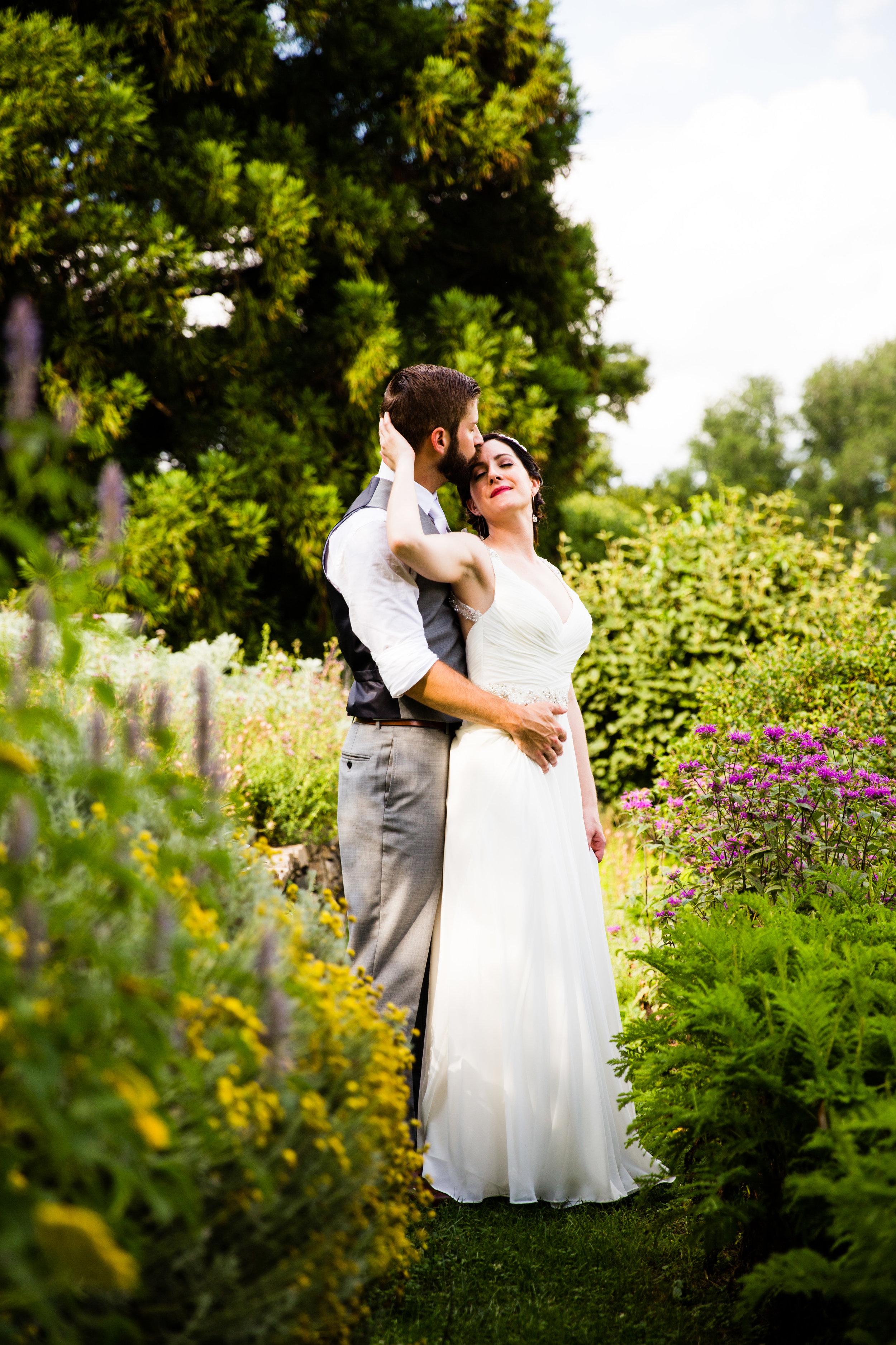 TYLER ARBORETUM WEDDING PHOTOGRAPHY LOVESTRUCK PICTURES-038.jpg