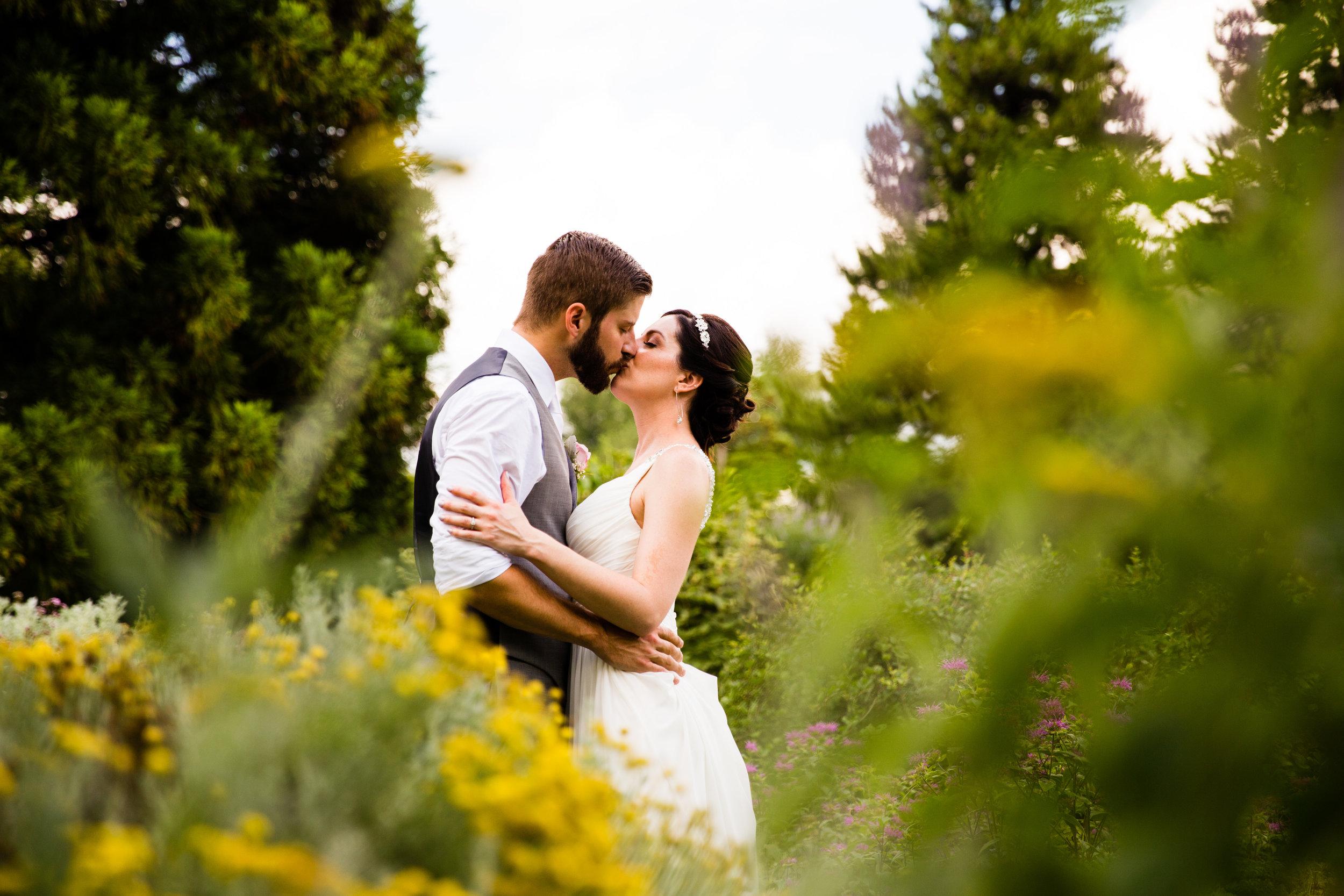TYLER ARBORETUM WEDDING PHOTOGRAPHY LOVESTRUCK PICTURES-039.jpg