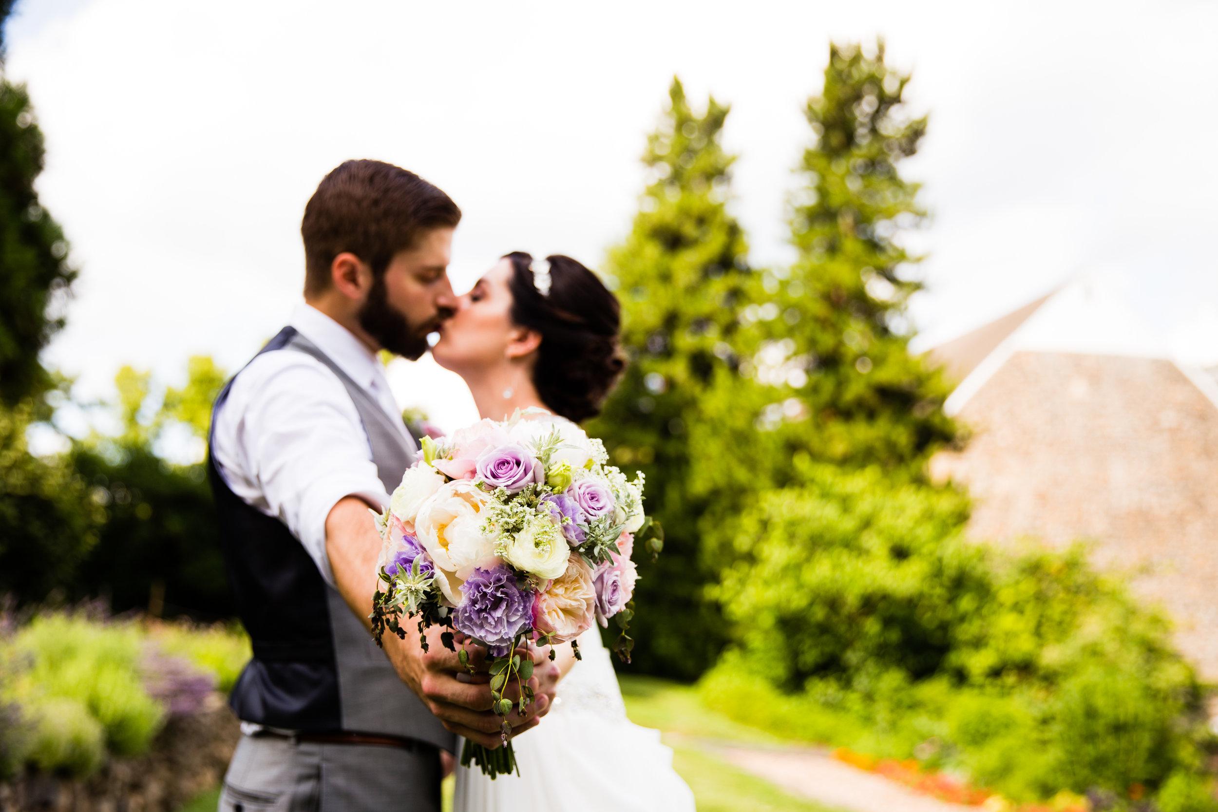 TYLER ARBORETUM WEDDING PHOTOGRAPHY LOVESTRUCK PICTURES-043.jpg