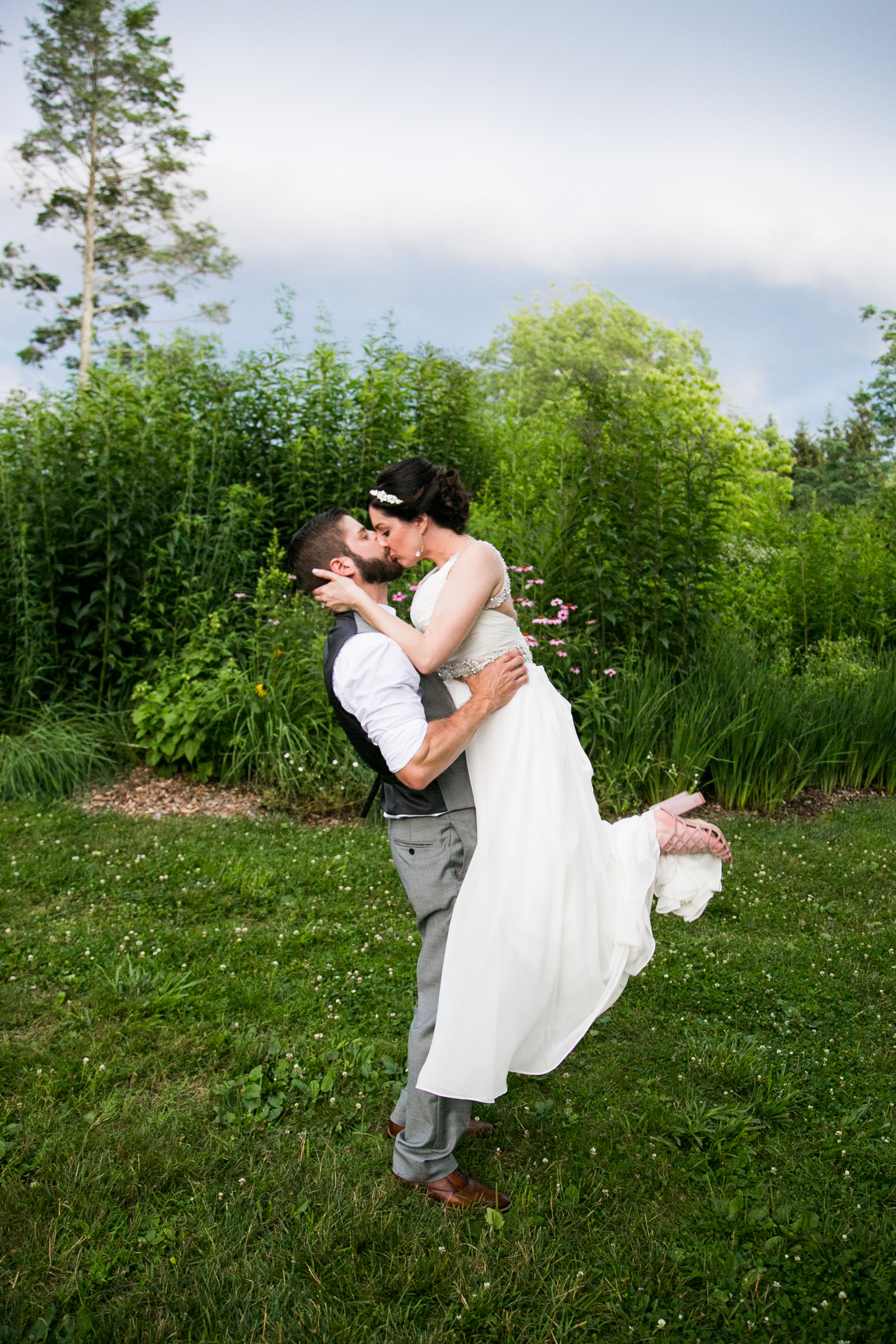 TYLER ARBORETUM WEDDING PHOTOGRAPHY LOVESTRUCK PICTURES-075.jpg