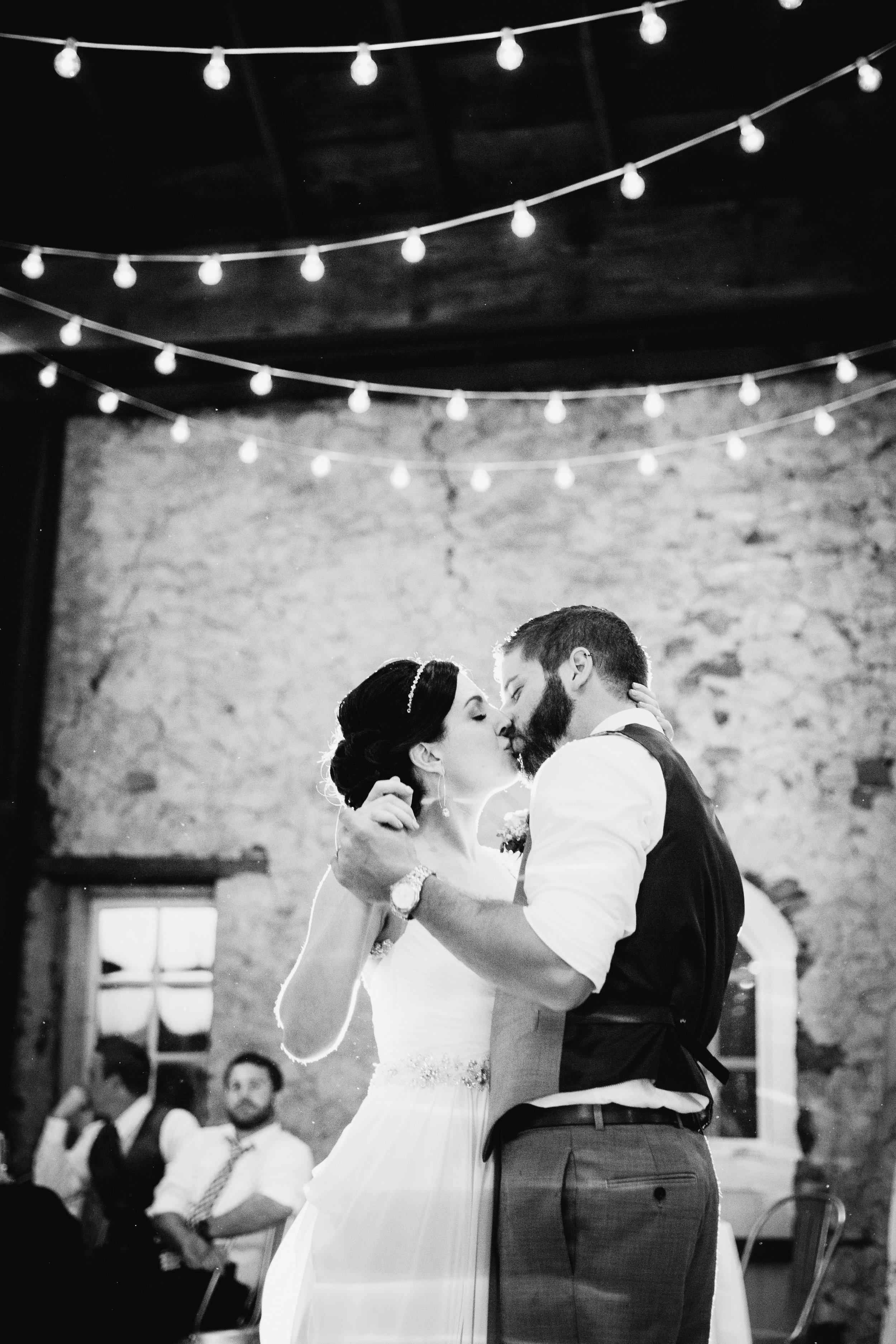 TYLER ARBORETUM WEDDING PHOTOGRAPHY LOVESTRUCK PICTURES-080.jpg