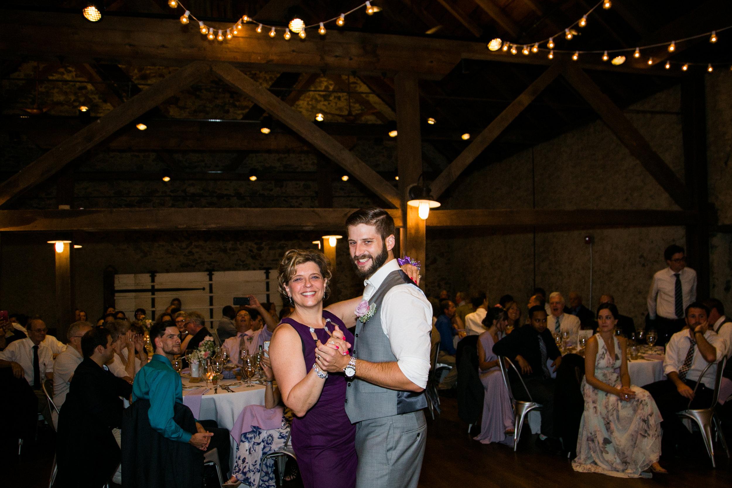 TYLER ARBORETUM WEDDING PHOTOGRAPHY LOVESTRUCK PICTURES-085.jpg