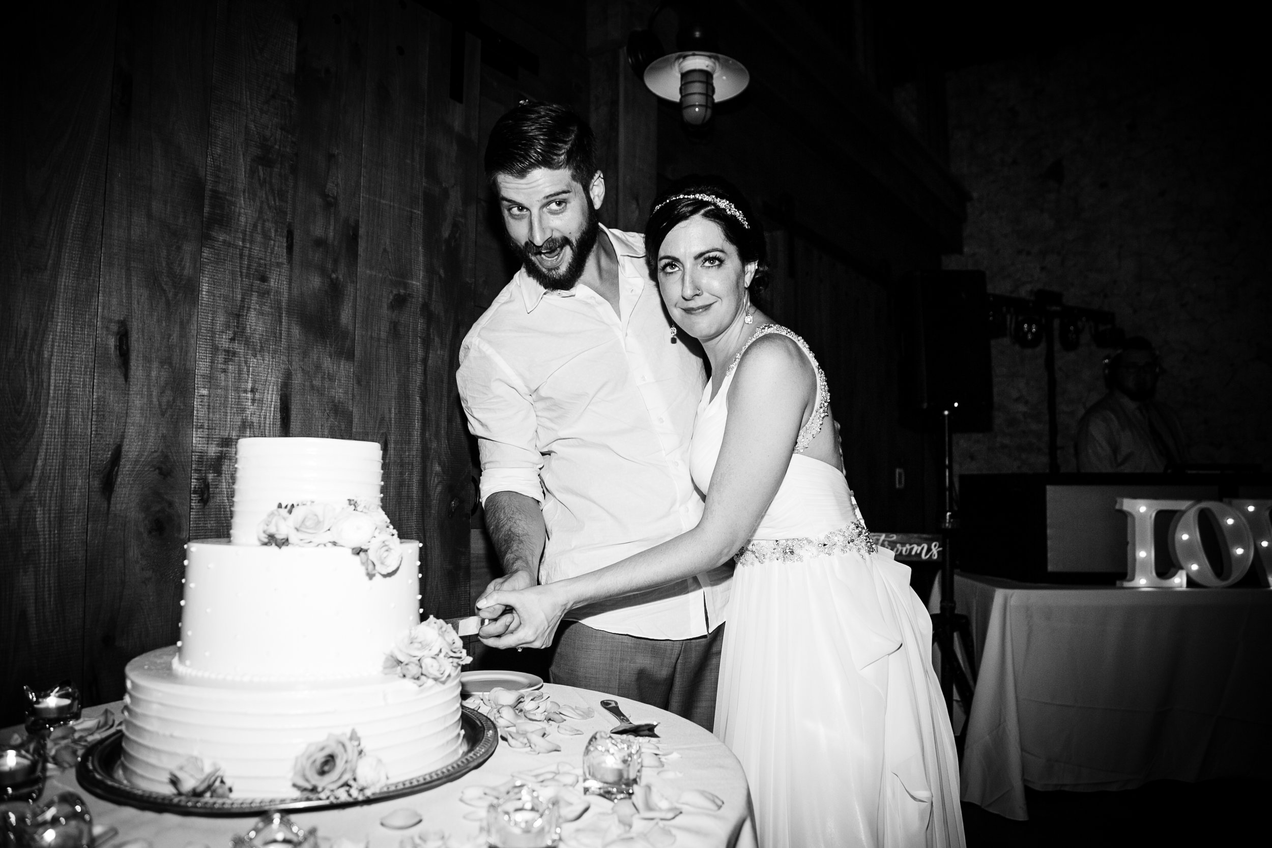 TYLER ARBORETUM WEDDING PHOTOGRAPHY LOVESTRUCK PICTURES-099.jpg