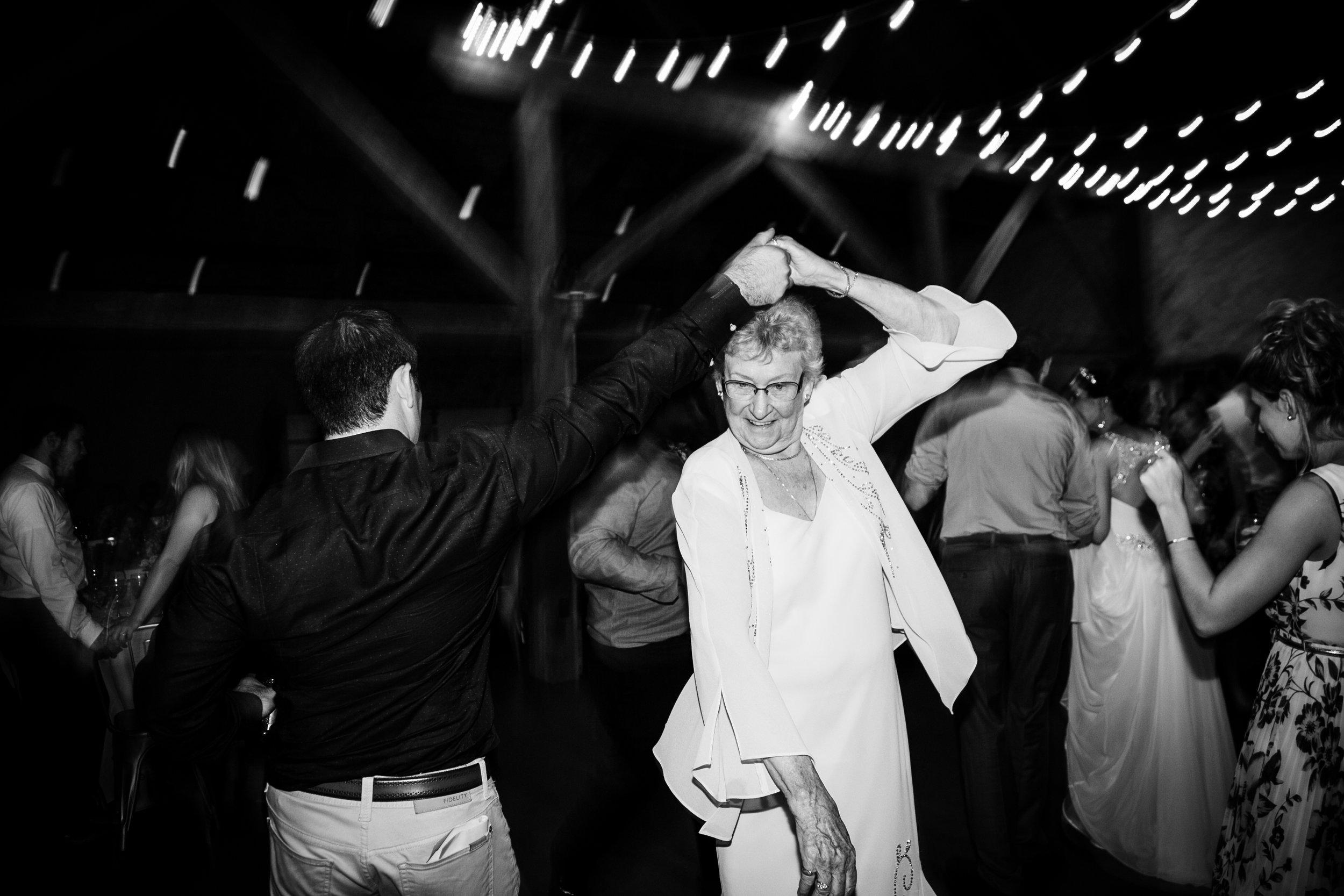 TYLER ARBORETUM WEDDING PHOTOGRAPHY LOVESTRUCK PICTURES-108.jpg