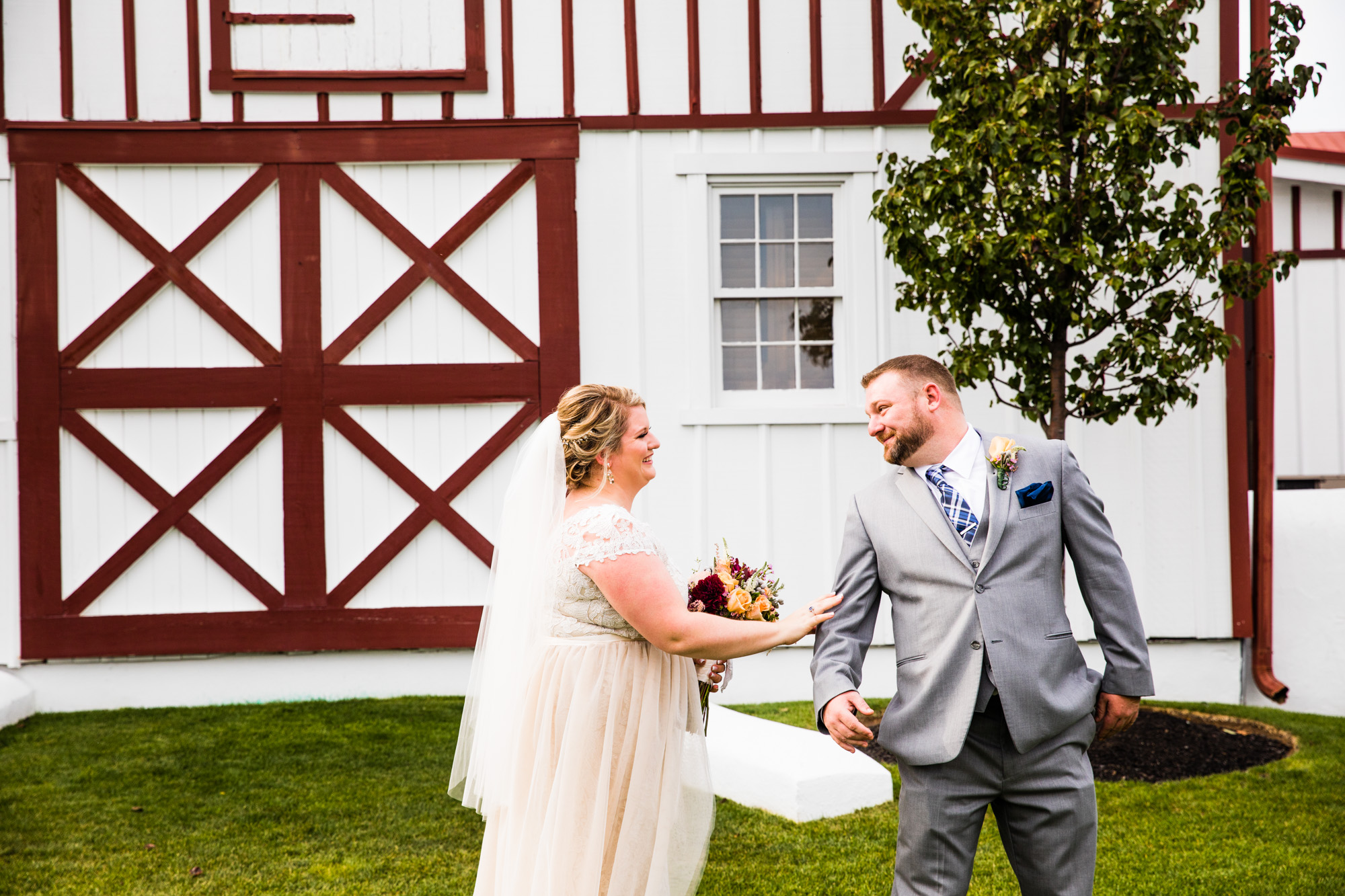 LOVESTRUCK PICTURES NORMANDY FARMS WEDDING - 037.jpg
