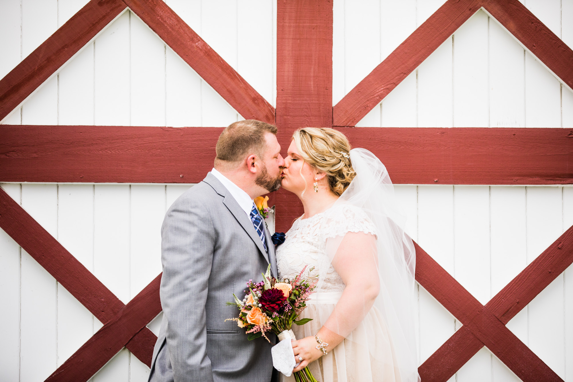 LOVESTRUCK PICTURES NORMANDY FARMS WEDDING - 041.jpg