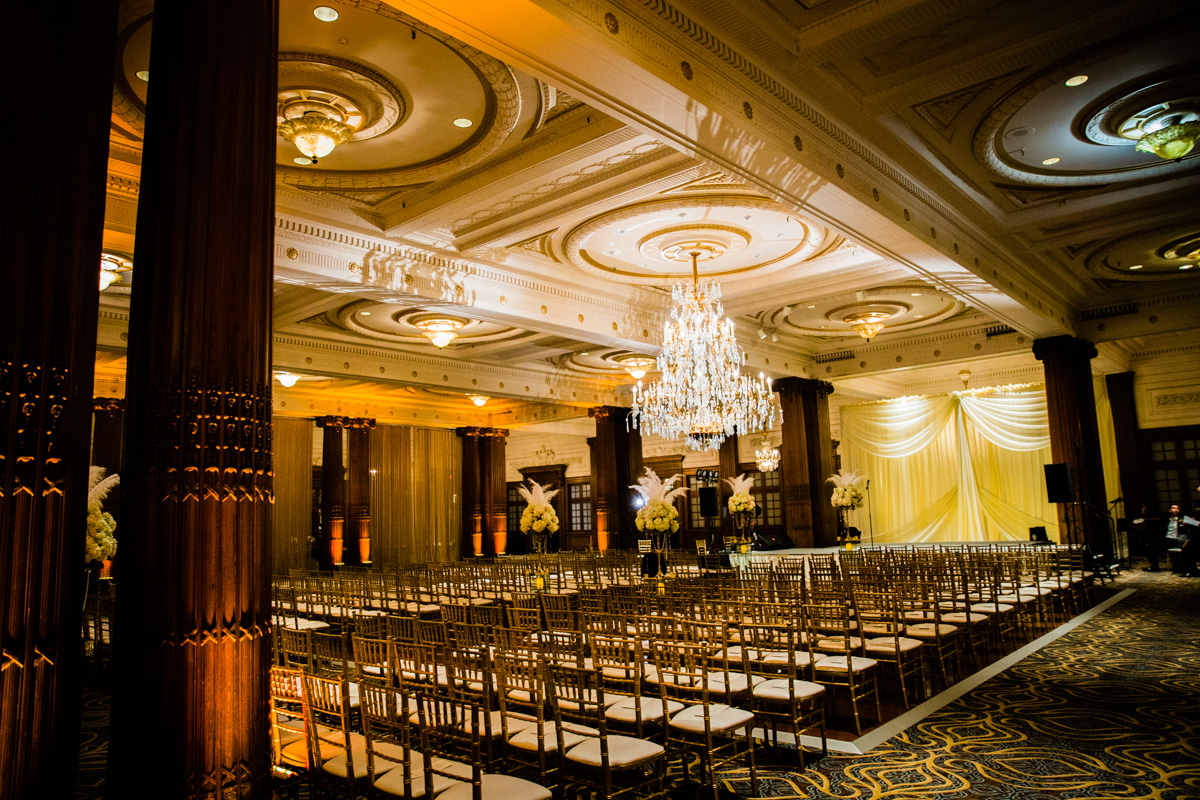 Crystal Tea Room Wedding Photos - LoveStruck Pictures - 096.jpg