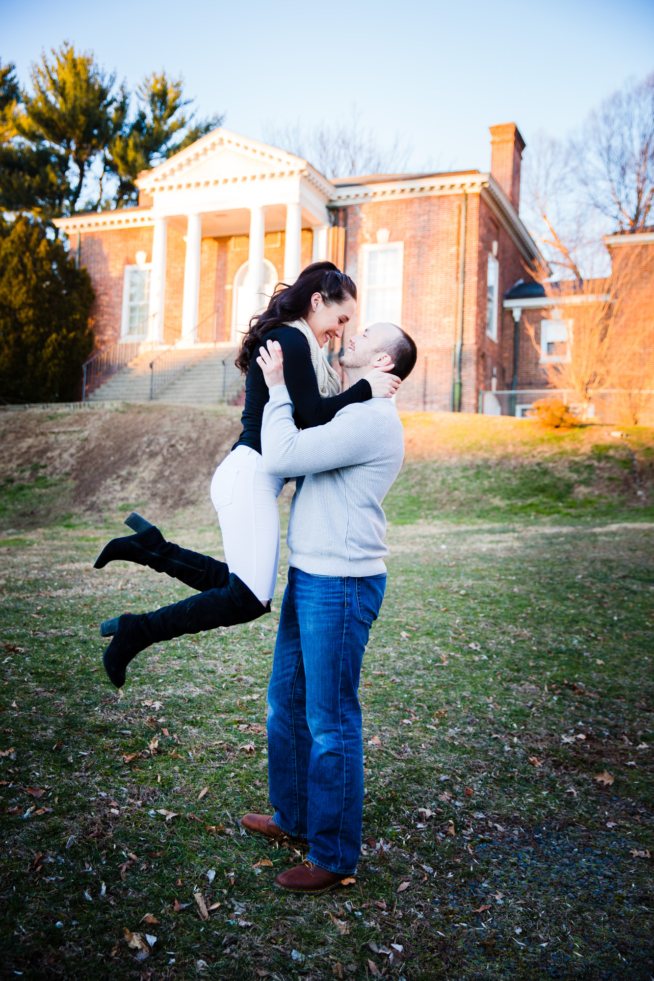 DOYLESTOWN ENGAGEMENT PICTURES - 009.jpg
