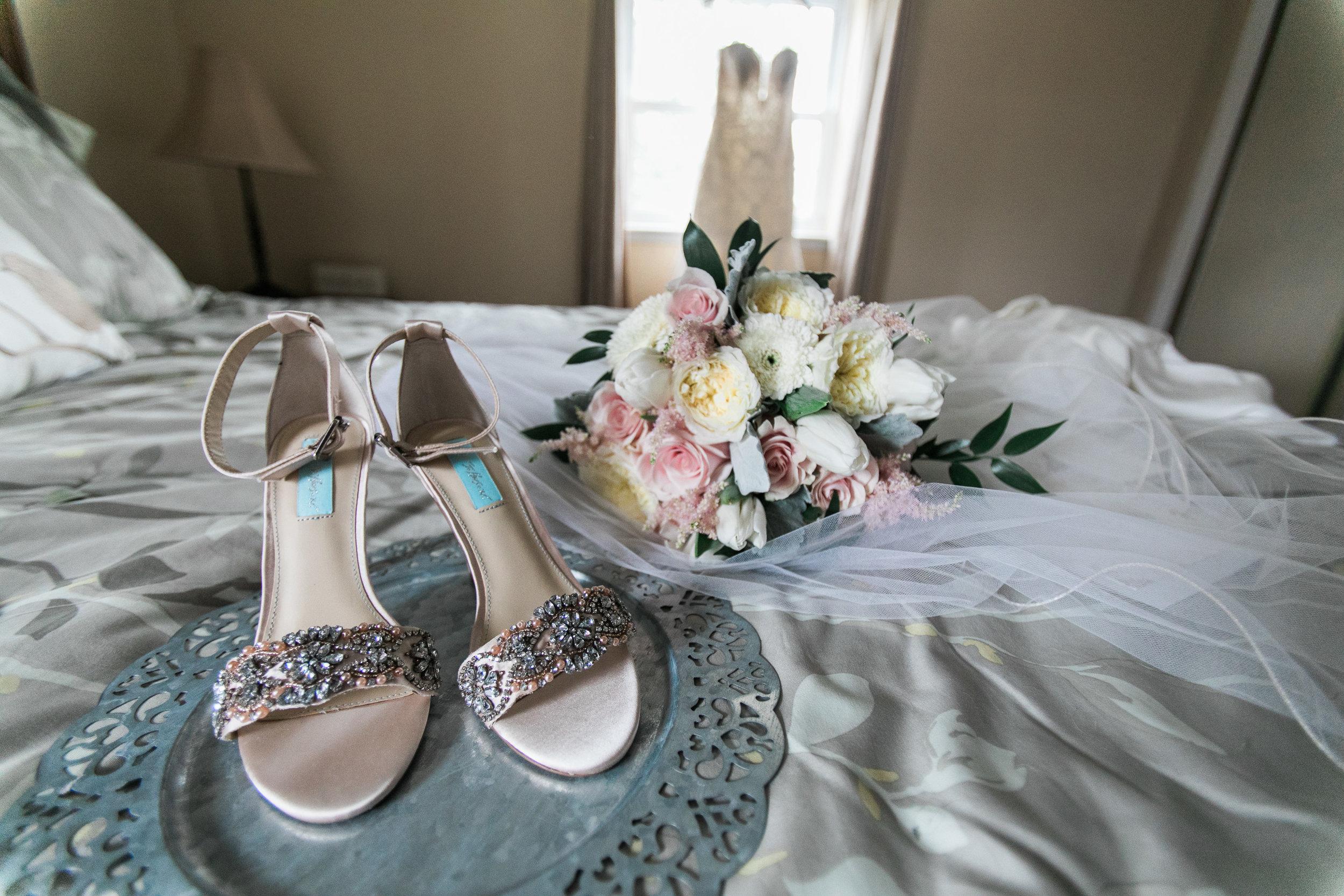 PHILADELPHIA BALLROOM WEDDING PHOTOS -002.jpg