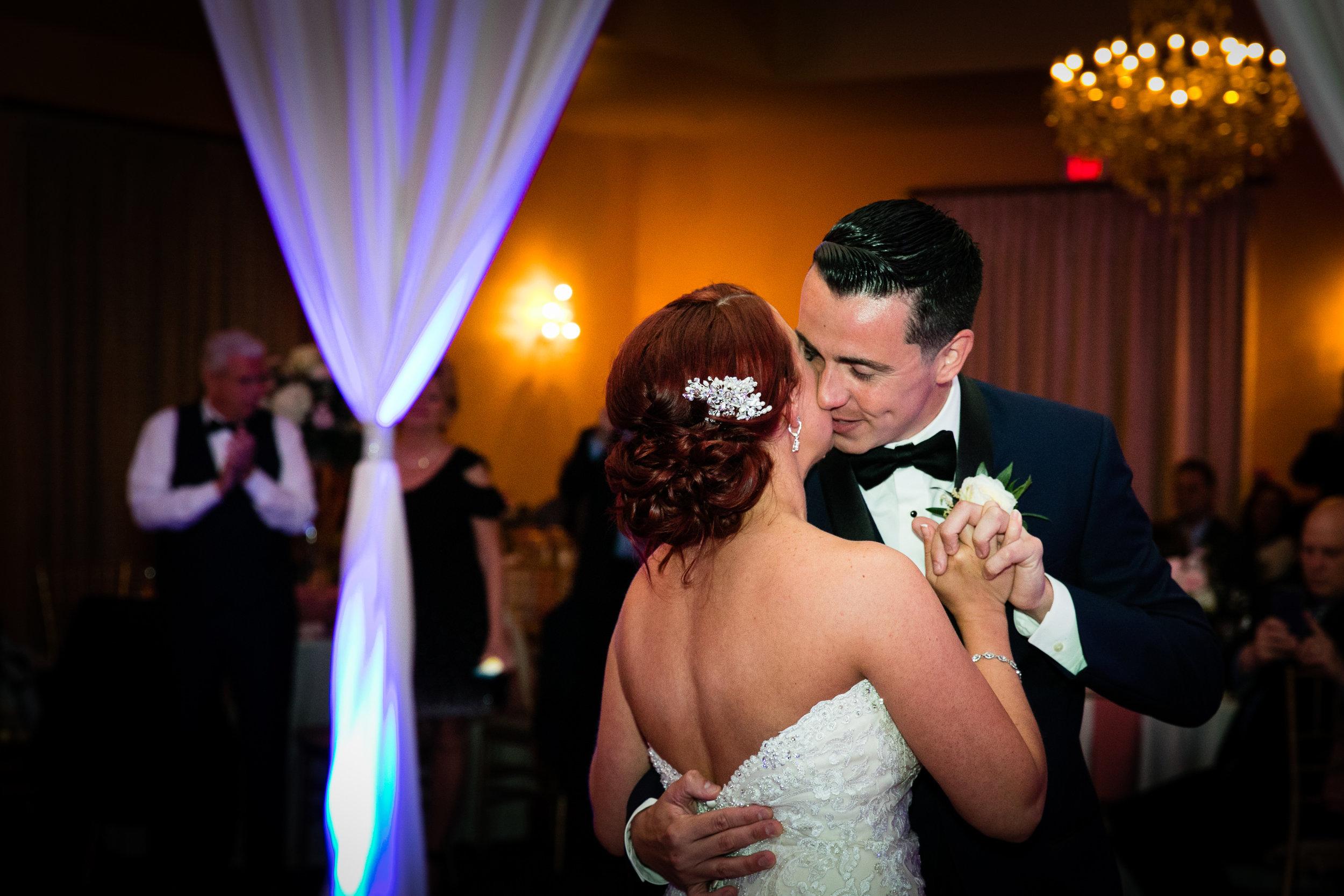 PHILADELPHIA BALLROOM WEDDING PHOTOS -104.jpg
