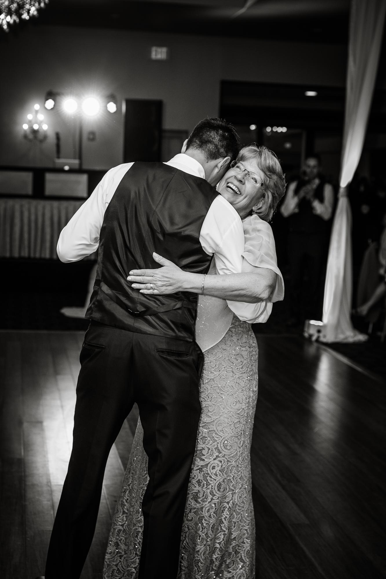 PHILADELPHIA BALLROOM WEDDING PHOTOS -129.jpg