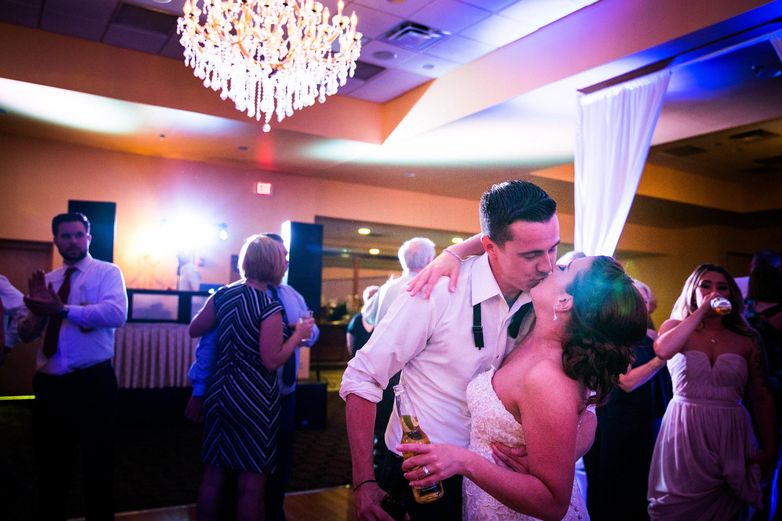 PHILADELPHIA BALLROOM WEDDING PHOTOS -139.jpg