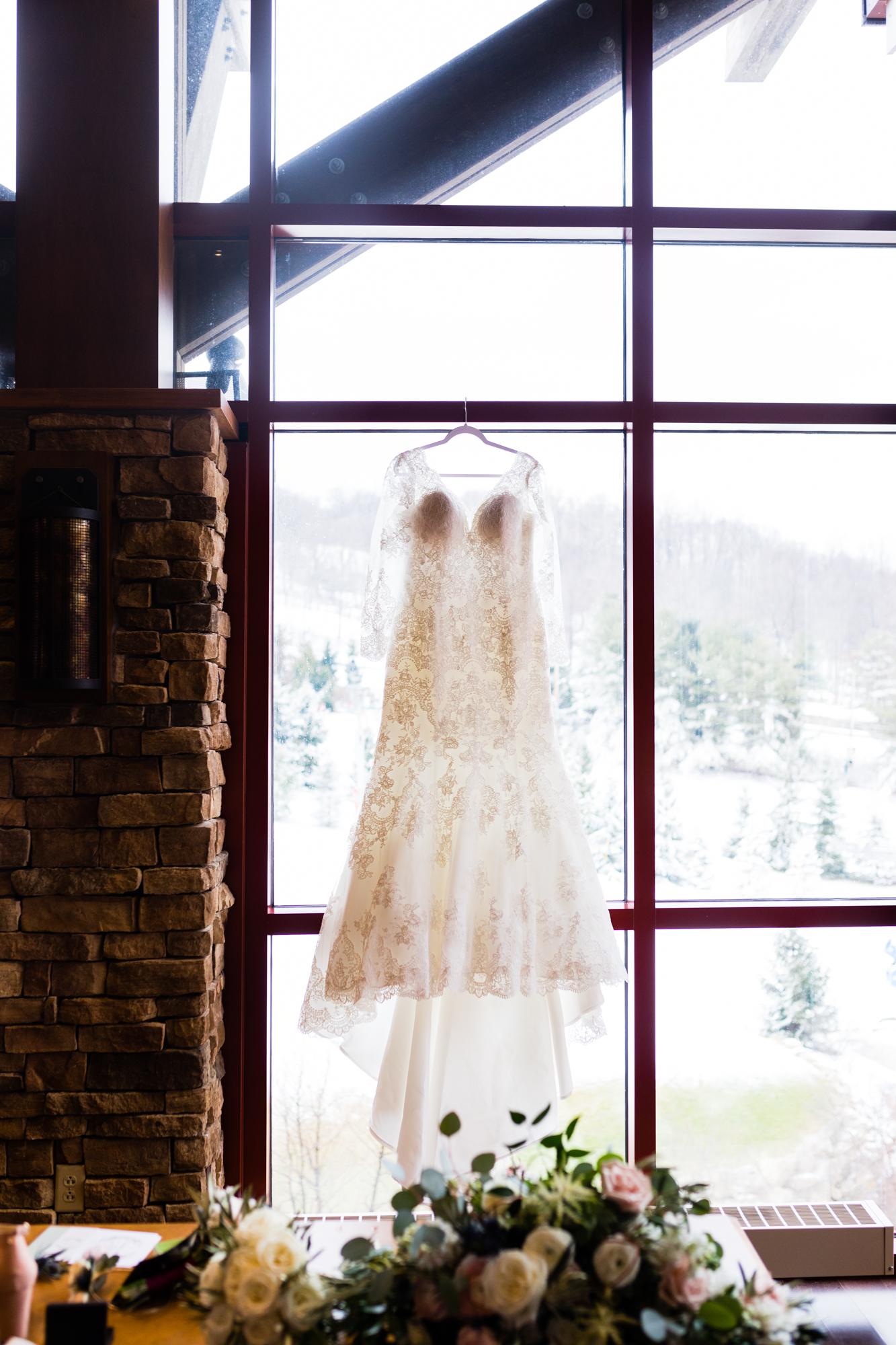 Bear Creek Mountain Resort Wedding Photography - Lovestruck Pictures-006.jpg