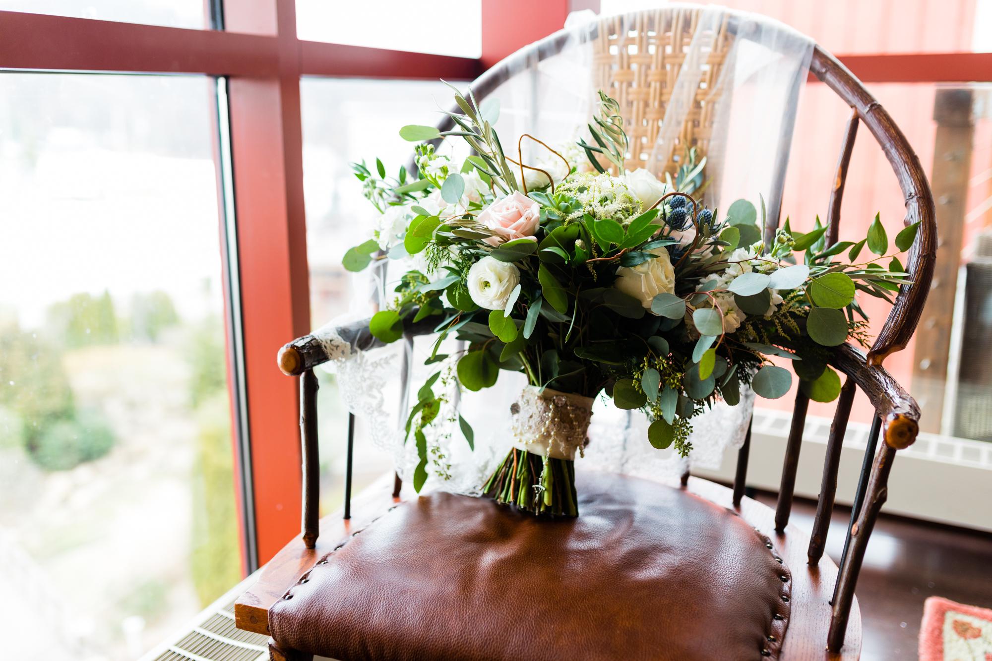 Bear Creek Mountain Resort Wedding Photography - Lovestruck Pictures-009.jpg