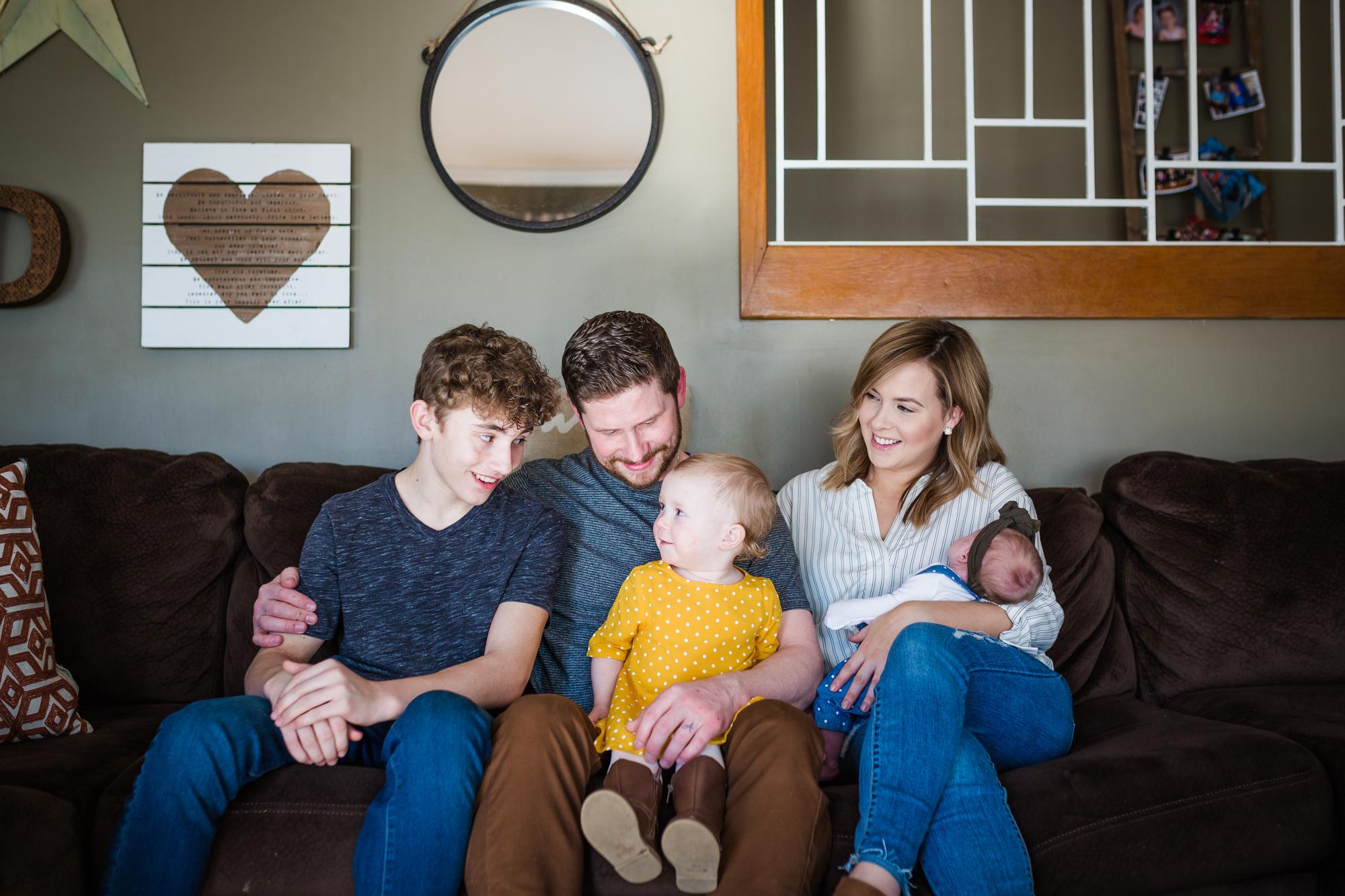 PHILADELPHIA IN HOME FAMILY PHOTOGRAPHY-002.jpg
