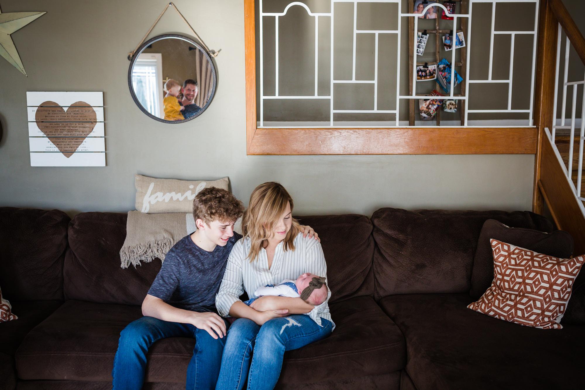 PHILADELPHIA IN HOME FAMILY PHOTOGRAPHY-007.jpg