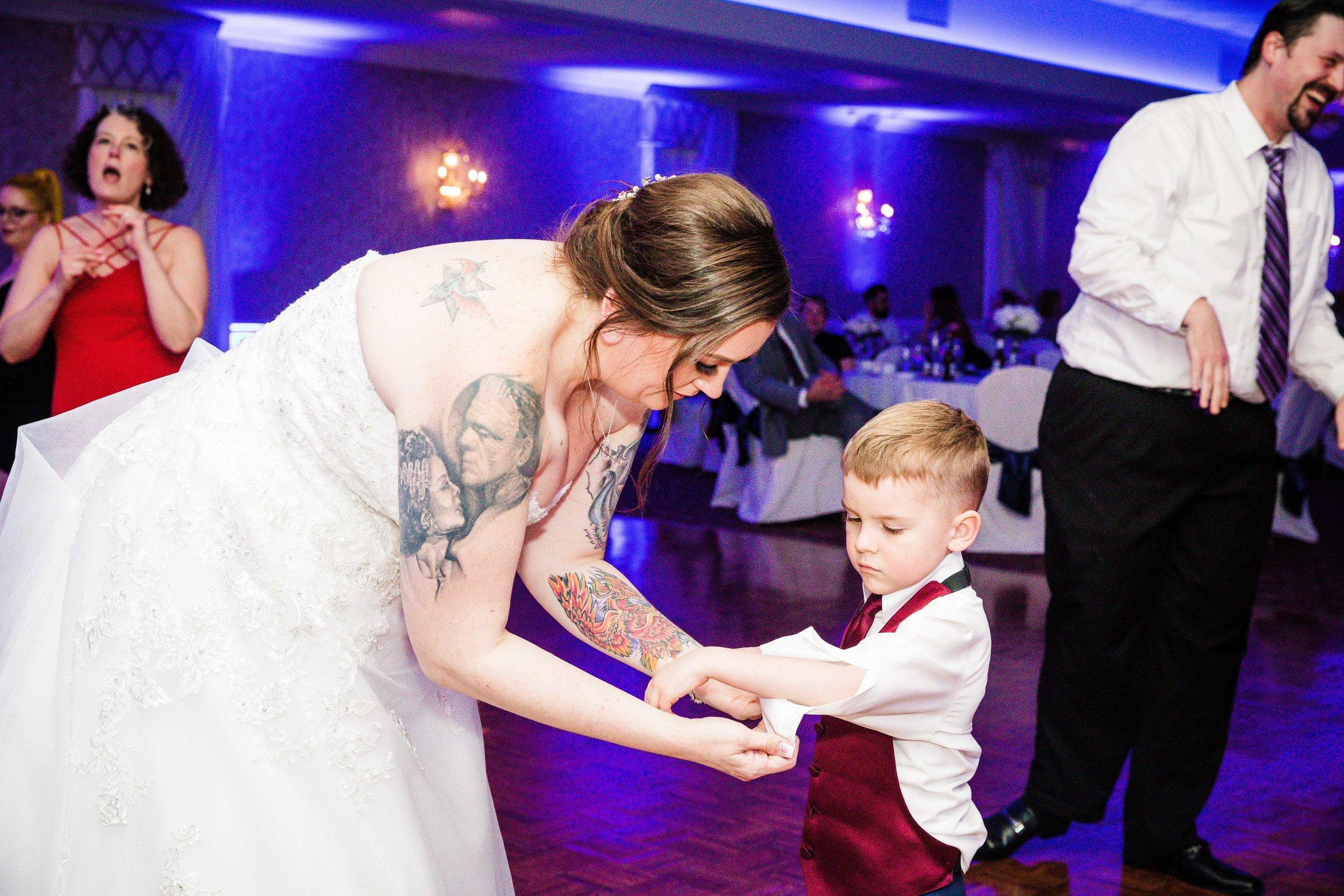 KRISTINA AND SHAWN - WATERFALL ROOM WEDDING - PHILADELPHIA-136.jpg