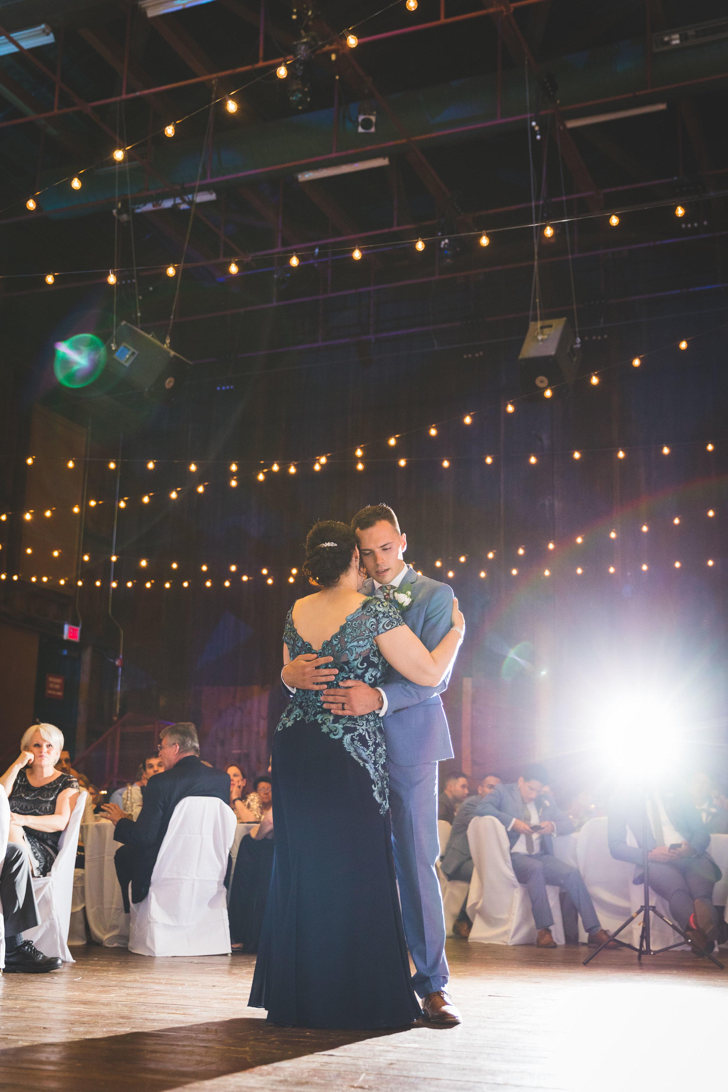 THE ICE HOUSE WEDDING PHOTOGRAPHY-105.jpg