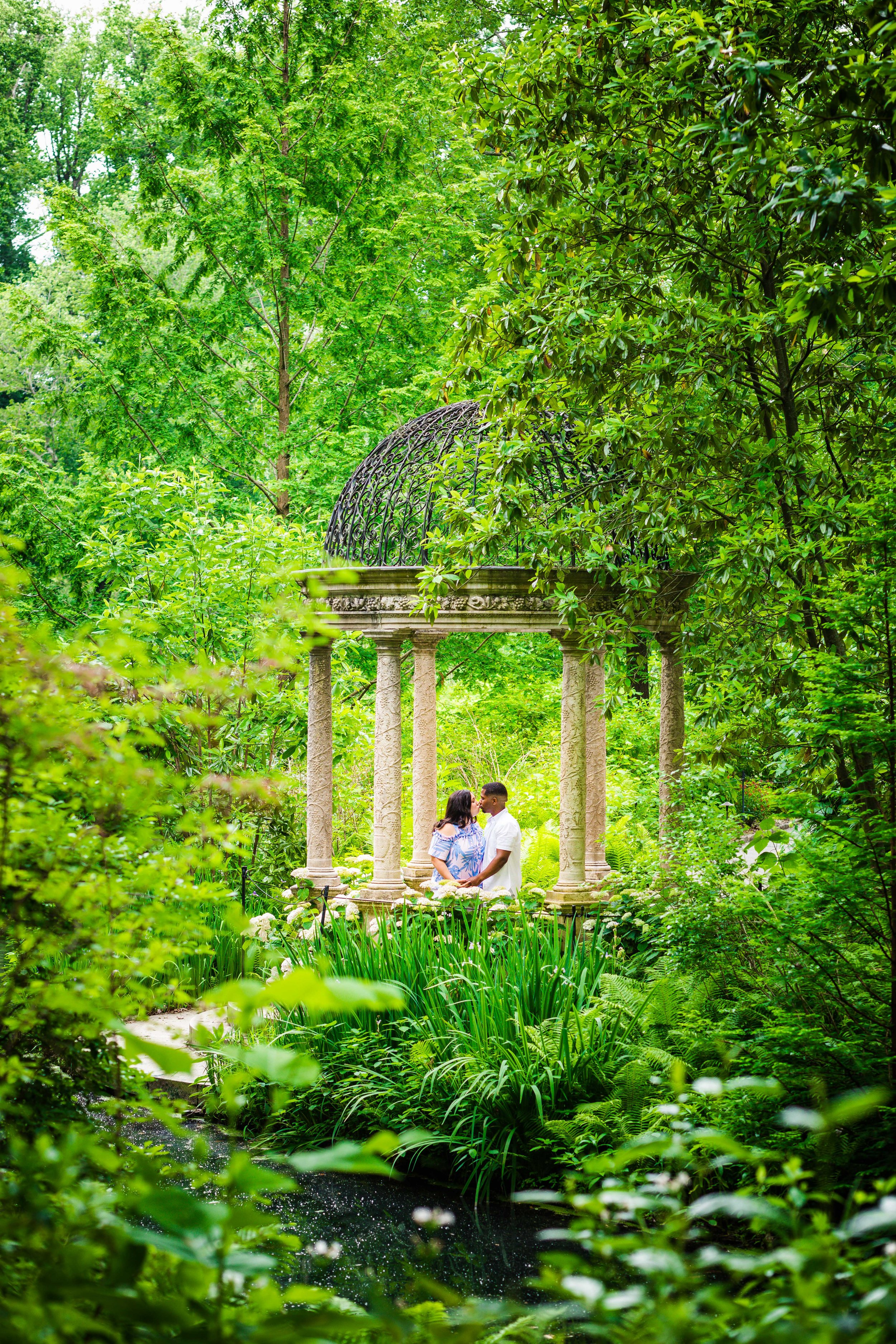 ALLISON AND JEFF - LONGWOOD GARDENS ENGAGEMENT SESSION-85.jpg