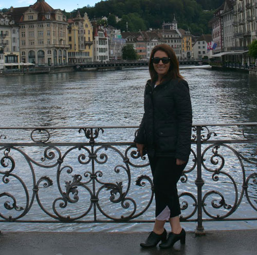- RuthWhile jet setting my fashionista self through Europe, I made sure to spend the day strolling through the streets of Lucerne Switzerland wearing my chic AmZ capris. Theres nothing better than looking chic while being comfortable!!