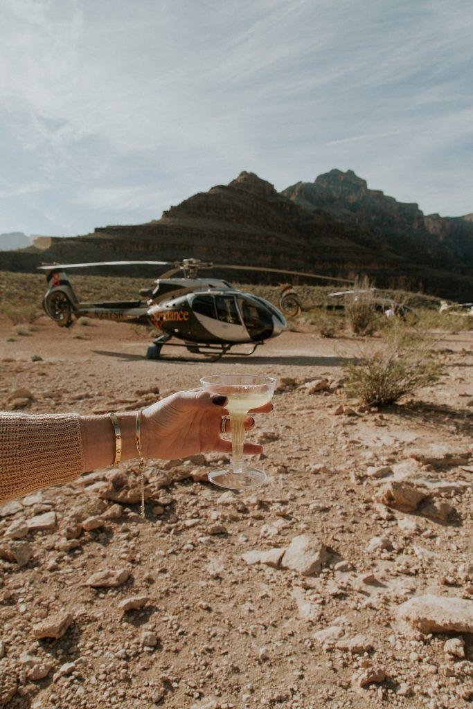Blogger-Gracefully-Taylored-in-Sundance-Helicopter-Ride41-683x1024.jpg