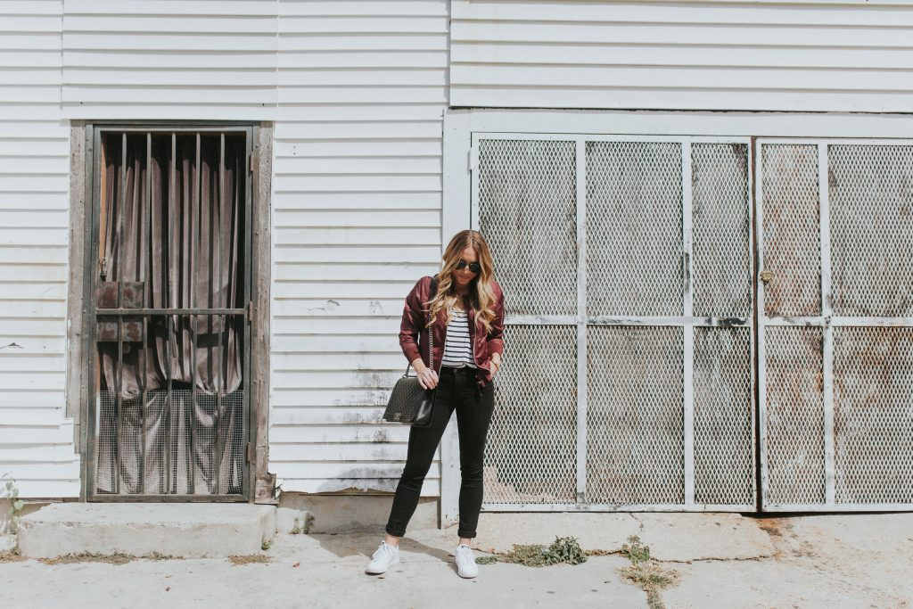 blogger-gracefully-taylored-in-urban-outfitters-bomber-jacket18