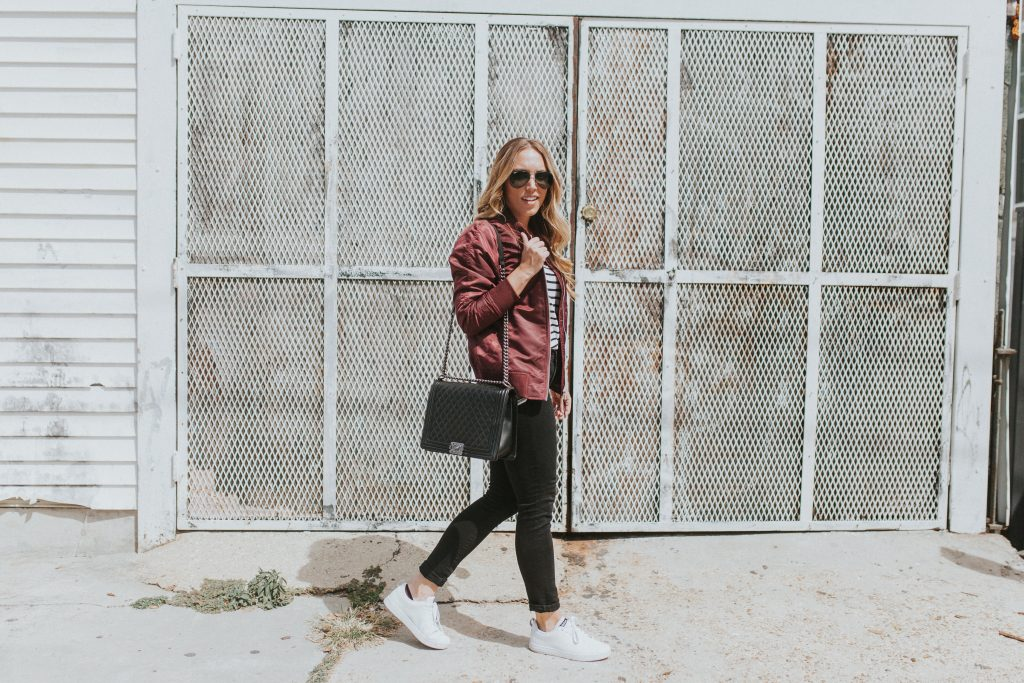 Blogger-Gracefully-Taylored-in-Urban-Outfitters-Bomber-Jacket6-1024x683.jpg