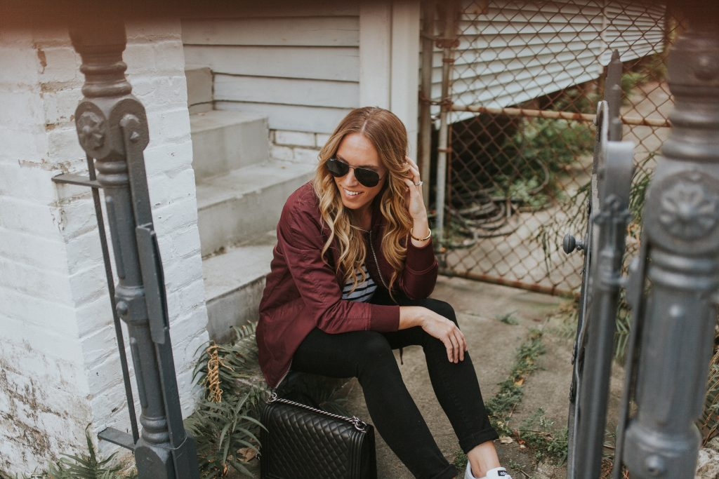 Blogger-Gracefully-Taylored-in-Urban-Outfitters-Bomber-Jacket17-1024x683.jpg