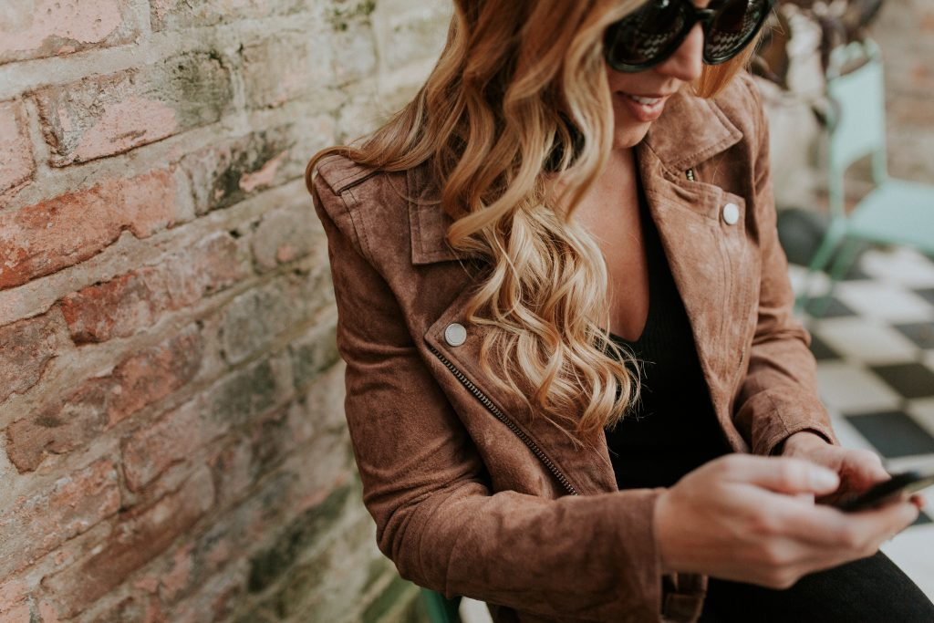 blogger-gracefully-taylored-in-blanknyc-jacket-express-top9