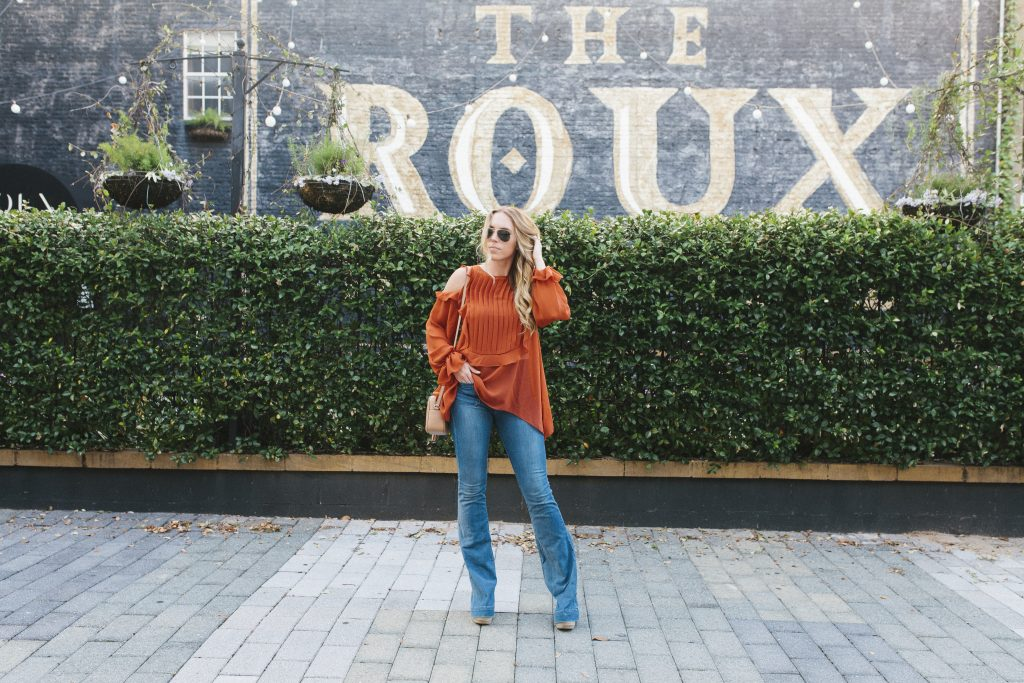 blogger-gracefully-taylored-in-last-call-top-and-frame-denim-9