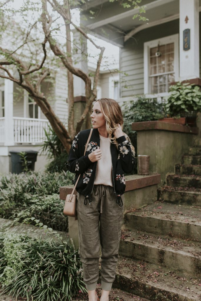 Blogger-Gracefully-Taylored-in-Who-What-Wear-Target-Jacket8-683x1024.jpg