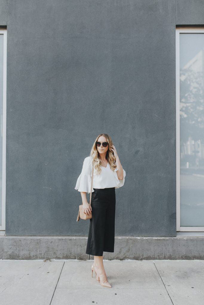 Blogger-Gracefully-Taylored-in-Last-Call-Top-and-Theory-Pants-683x1024.jpg