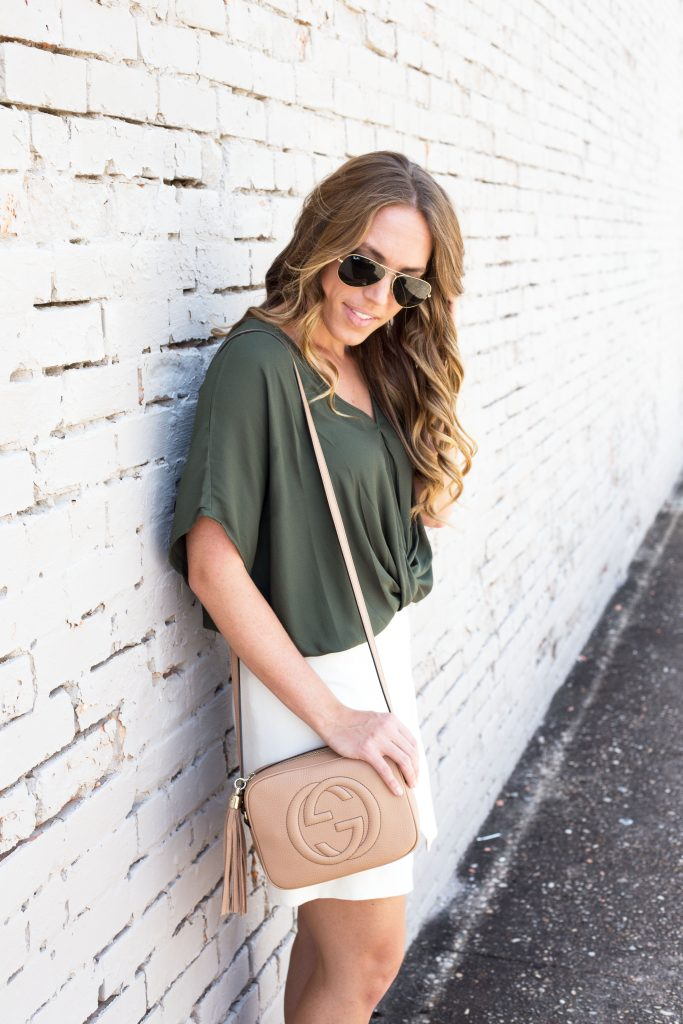 Blogger-Gracefully-Taylored-wearing-Nordstrom-Top-and-Gucci-Disco-Bag-16-683x1024.jpg