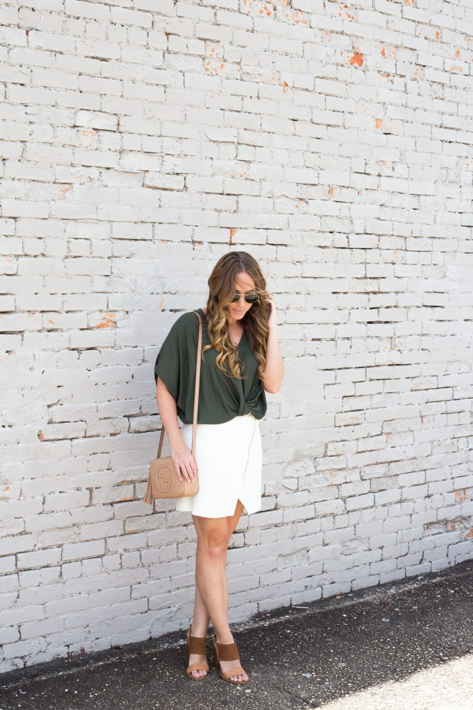 Blogger-Gracefully-Taylored-wearing-Nordstrom-Top-and-Gucci-Disco-Bag-1-683x1024.jpg