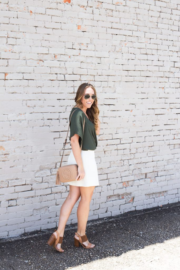 Blogger-Gracefully-Taylored-wearing-Nordstrom-Top-and-Gucci-Disco-Bag-12-683x1024.jpg