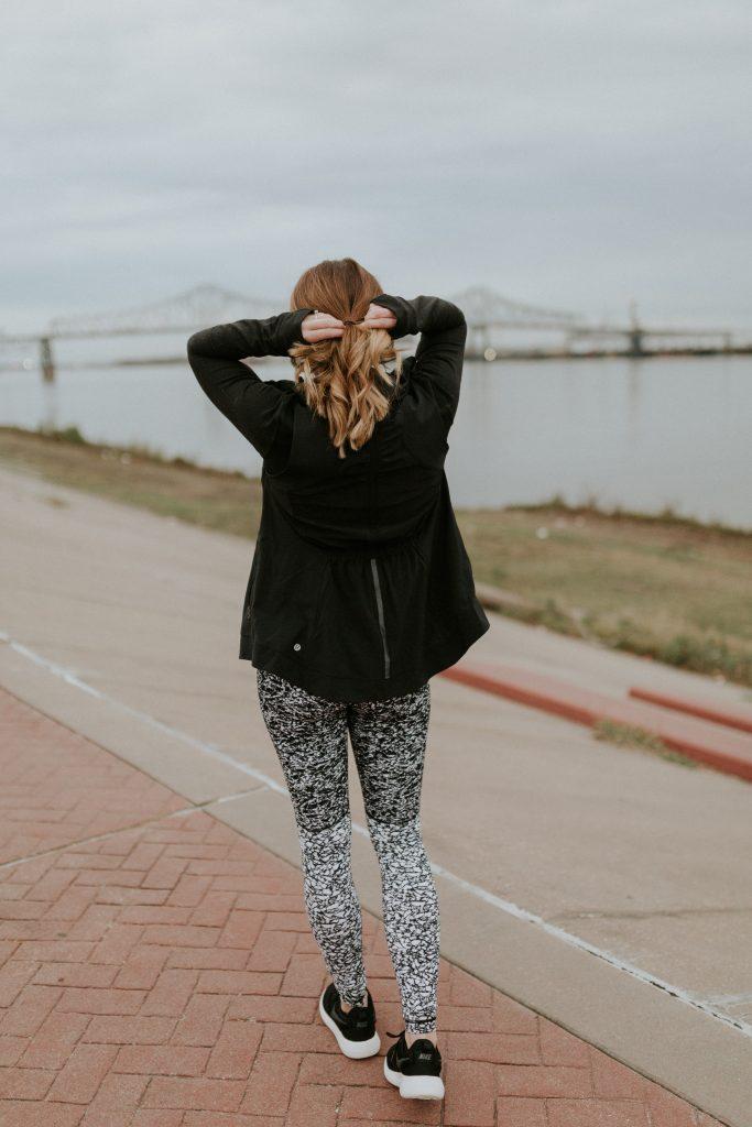 Blogger-Gracefully-Taylored-in-Lululemon13-683x1024.jpg
