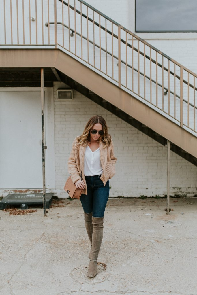 Blogger-Gracefully-Taylored-in-Vince-Sweater-Stuart-Weitzman-Boots21-683x1024.jpg