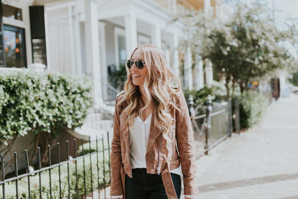 Blogger-Gracefully-Taylored-in-BLANKNYC-Jacket-Flare-Denim11-1024x683.jpg