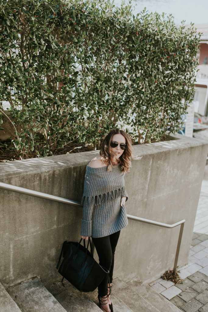 Blogger-Gracefully-Taylored-in-Last-Call-Sweater13-683x1024.jpg