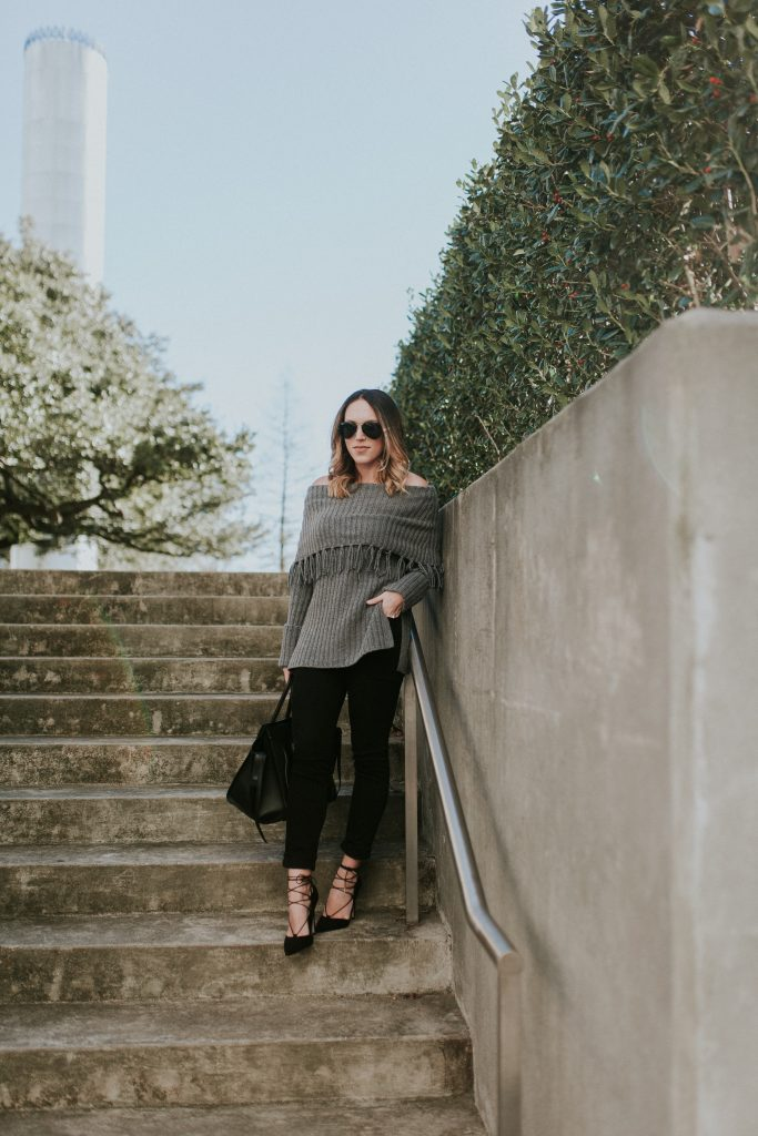 Blogger-Gracefully-Taylored-in-Last-Call-Sweater25-683x1024.jpg